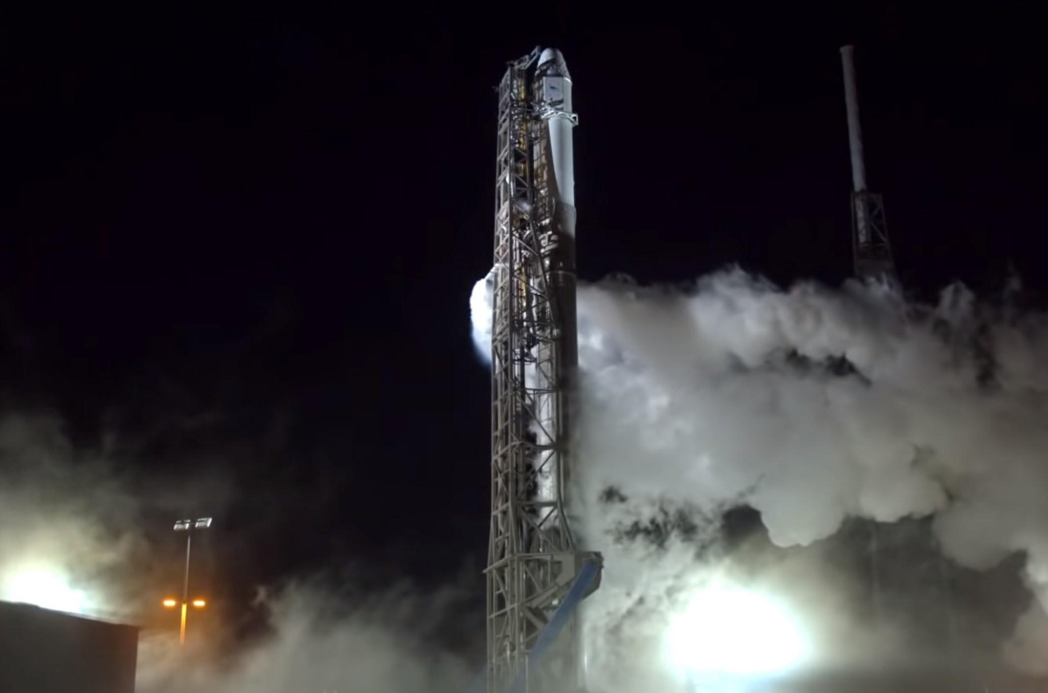 Falcon 9 B1045 prelaunch (SpaceX) 2