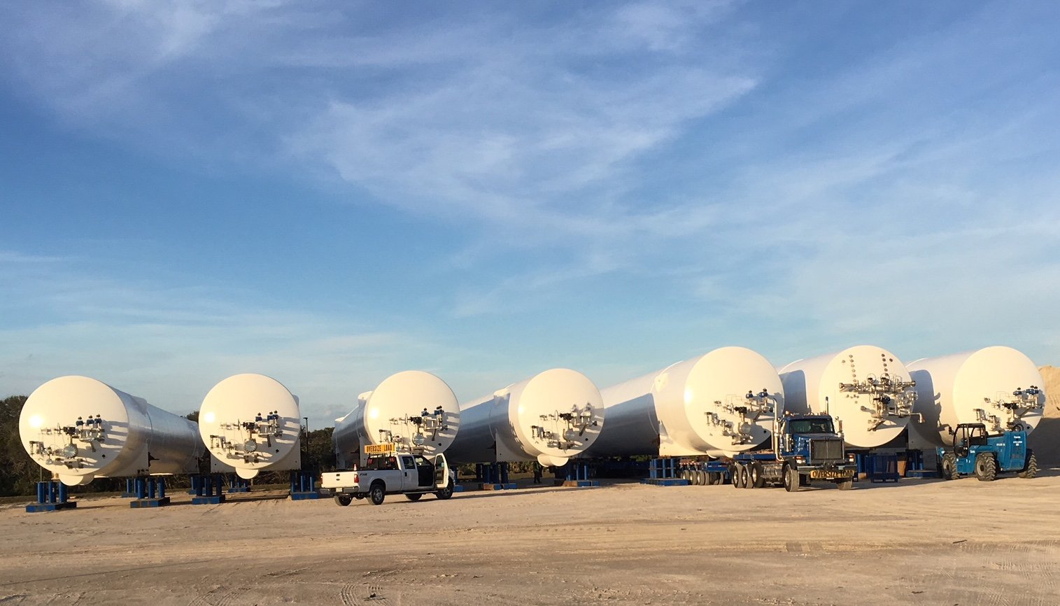 New Glenn LNG and LOX tanks 122017 (Blue Origin)