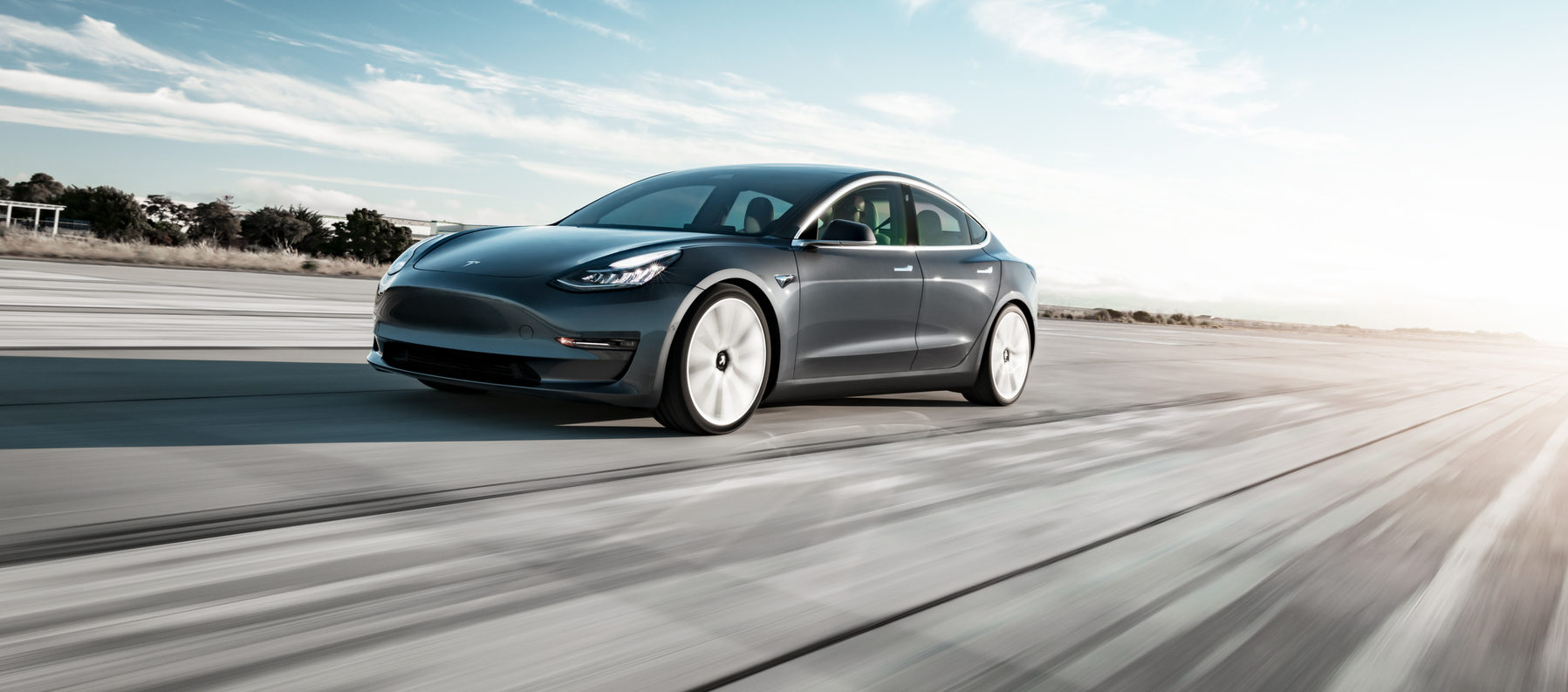 Tesla Model 3 Wins Detroit News 2018 Car Of The Year Award It Is Le On Wheels