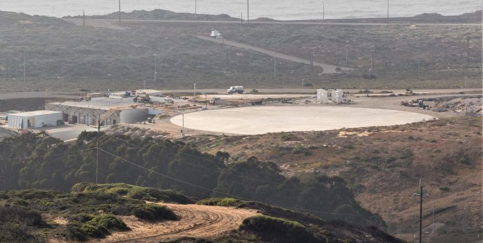 SpaceX readies its California landing pad for September