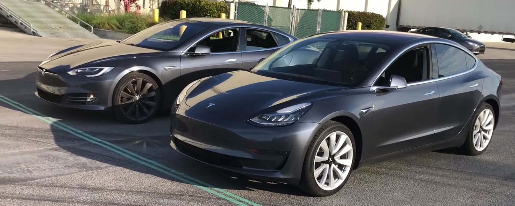 tesla-model-s-vs-model-3-summon-race