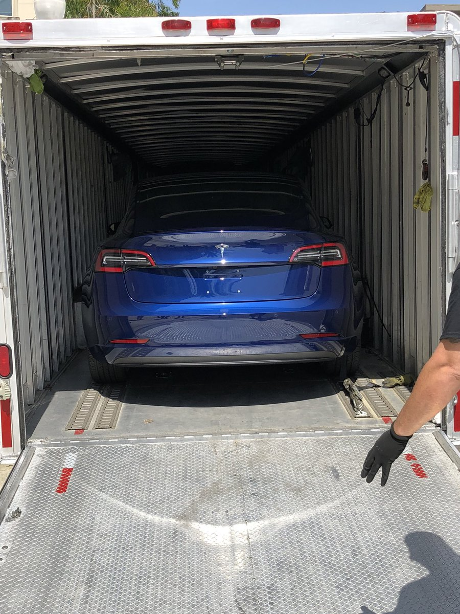tesla-new-delivery-system-3
