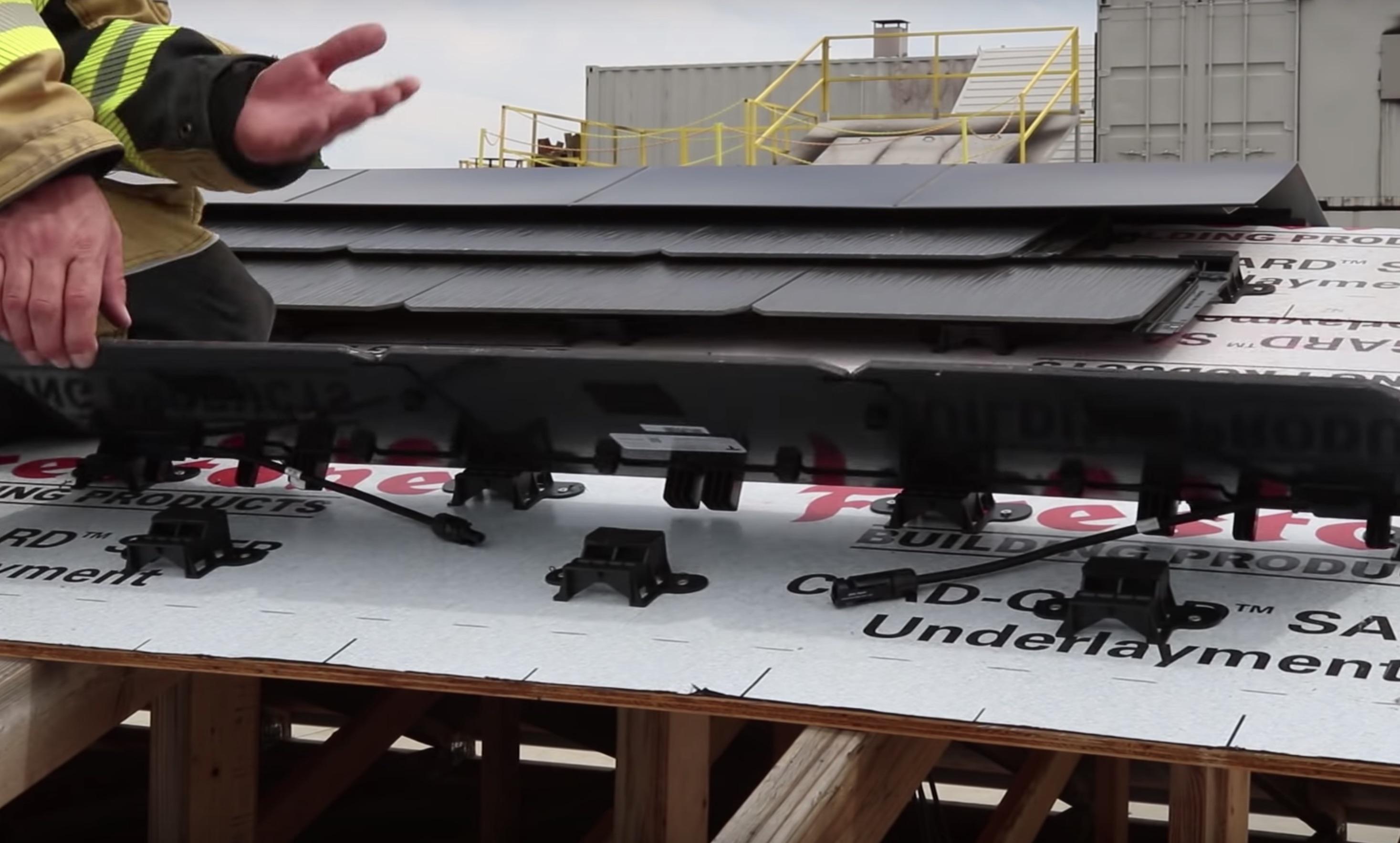 tesla-solar-roof-tile-mount-connector
