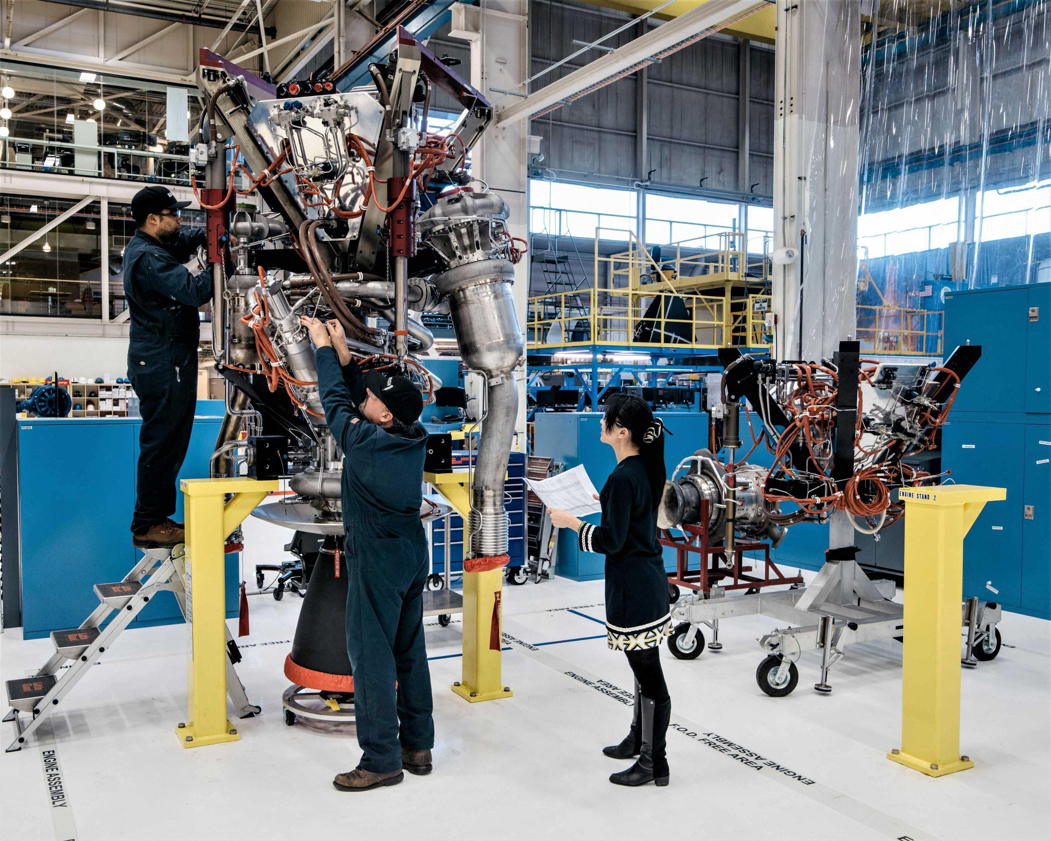 BE-3 manufacturing 2016 (Blue Origin)(c)