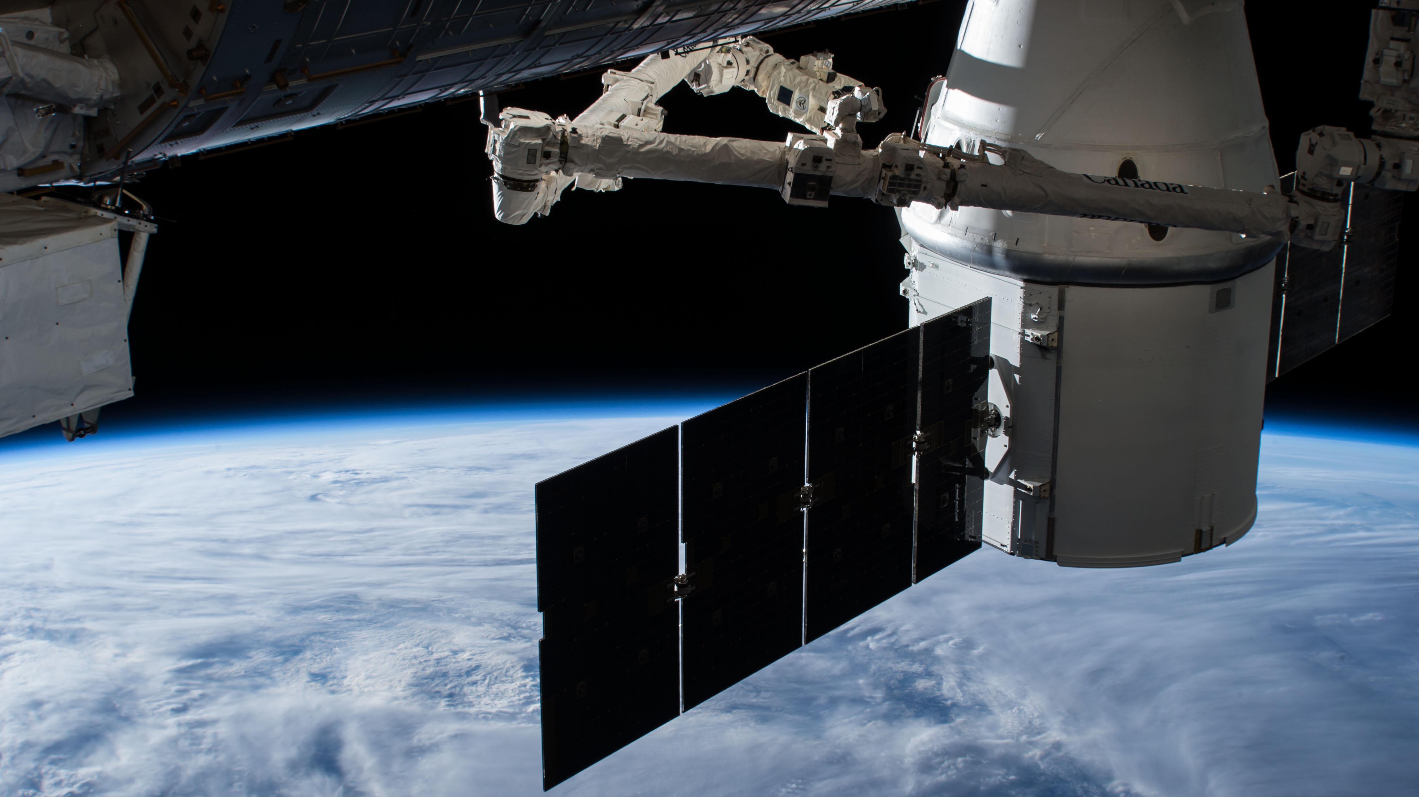 CRS-15 Cargo Dragon 070318 (NASA)