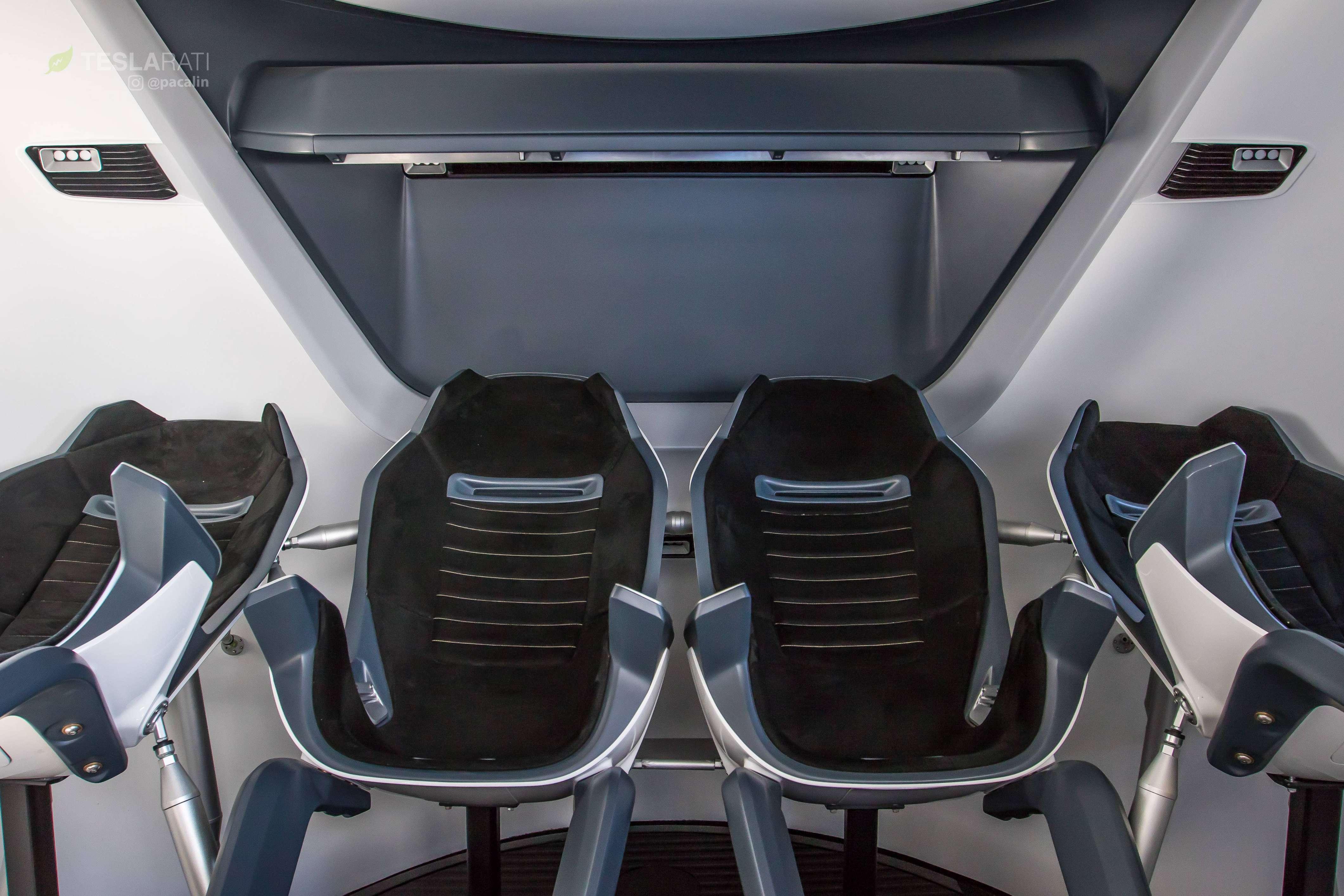 Crew Dragon simulator cabin 081318 (SpaceX) 3 (c)