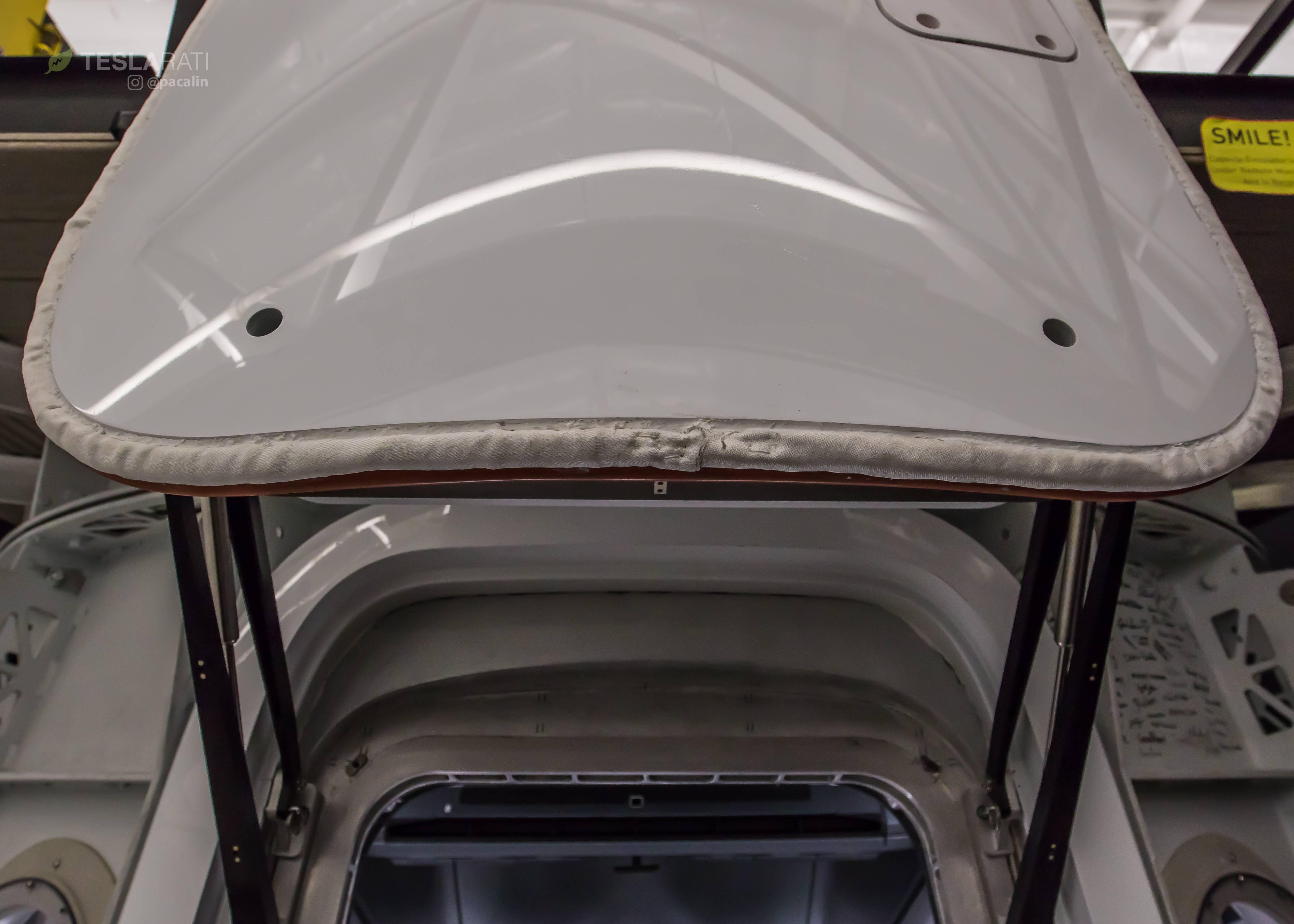 Crew Dragon simulator hatch 081318 (SpaceX) 4