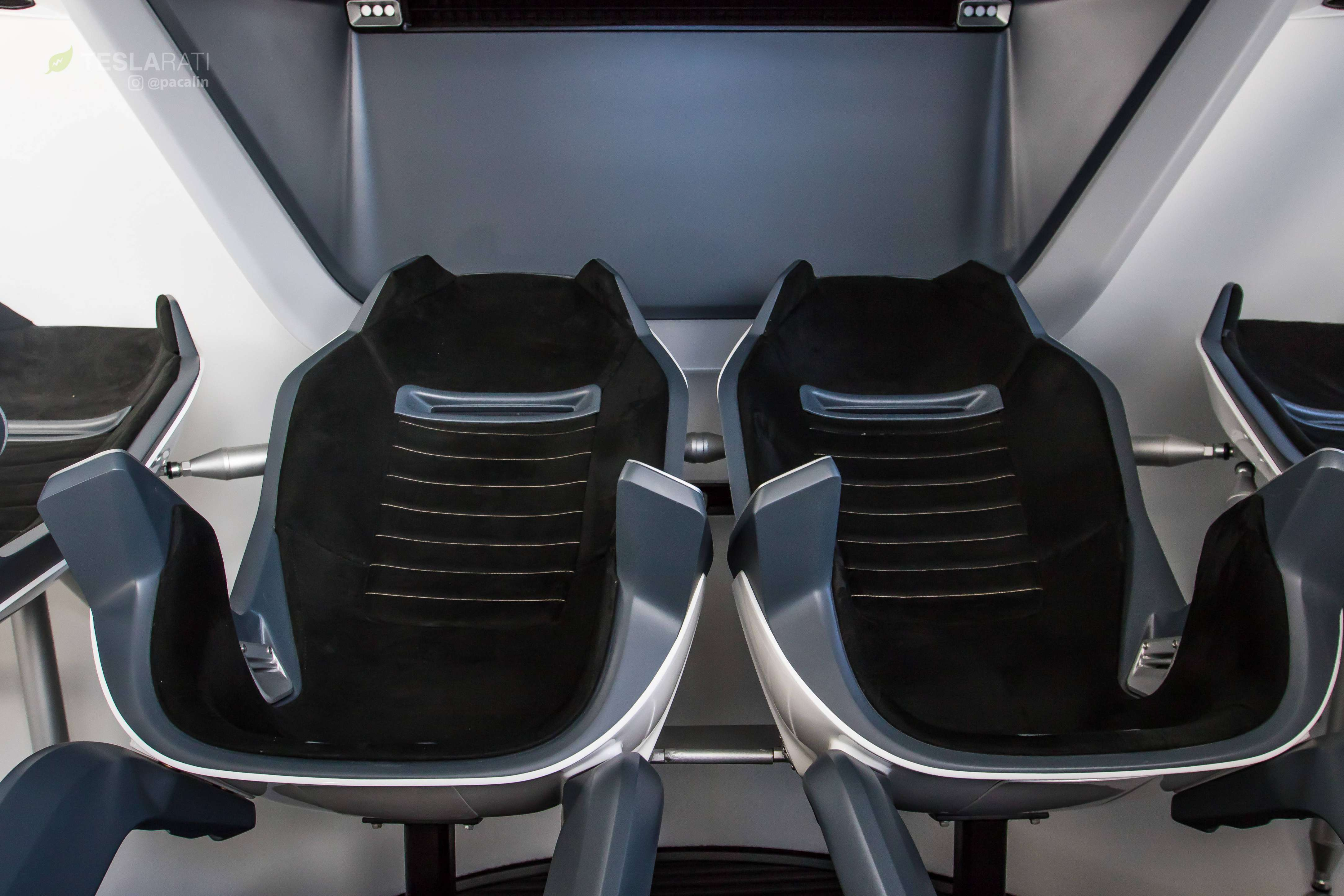 Crew Dragon simulator seats 081318 (SpaceX) 1 (c)