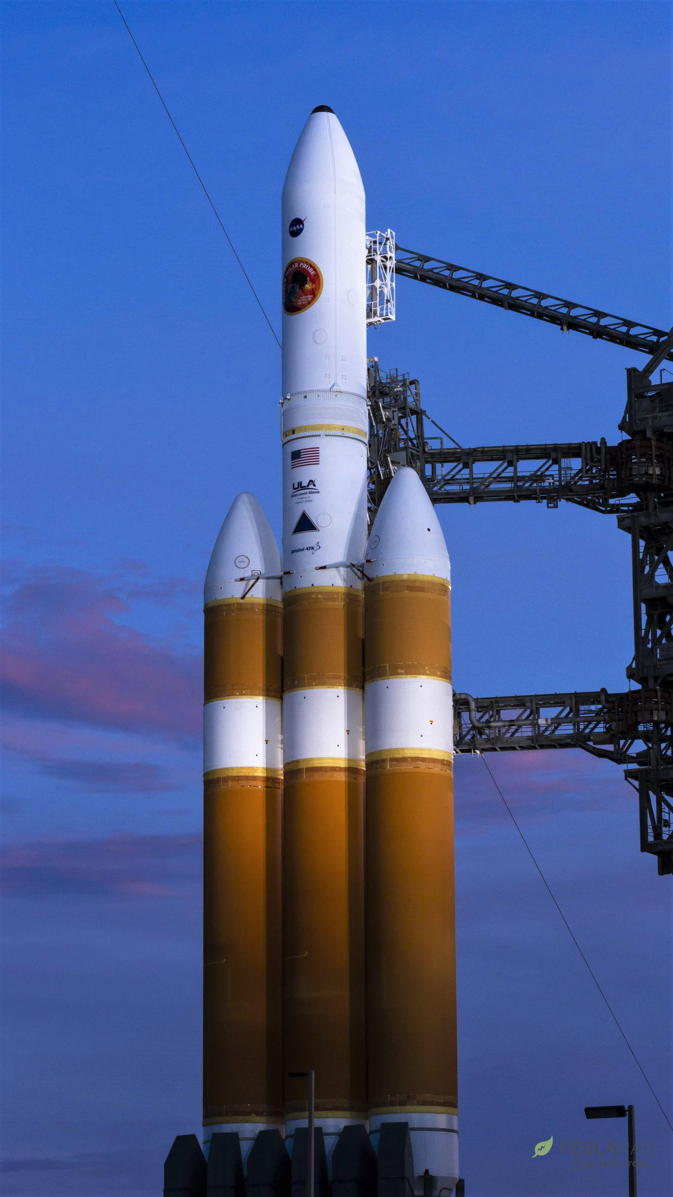 Delta IV Heavy PSP prelaunch (Tom Cross) 2