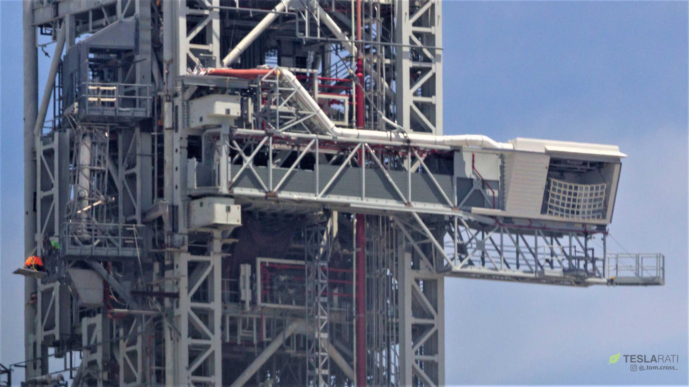Space Shuttle access arm (Tom Cross) 1