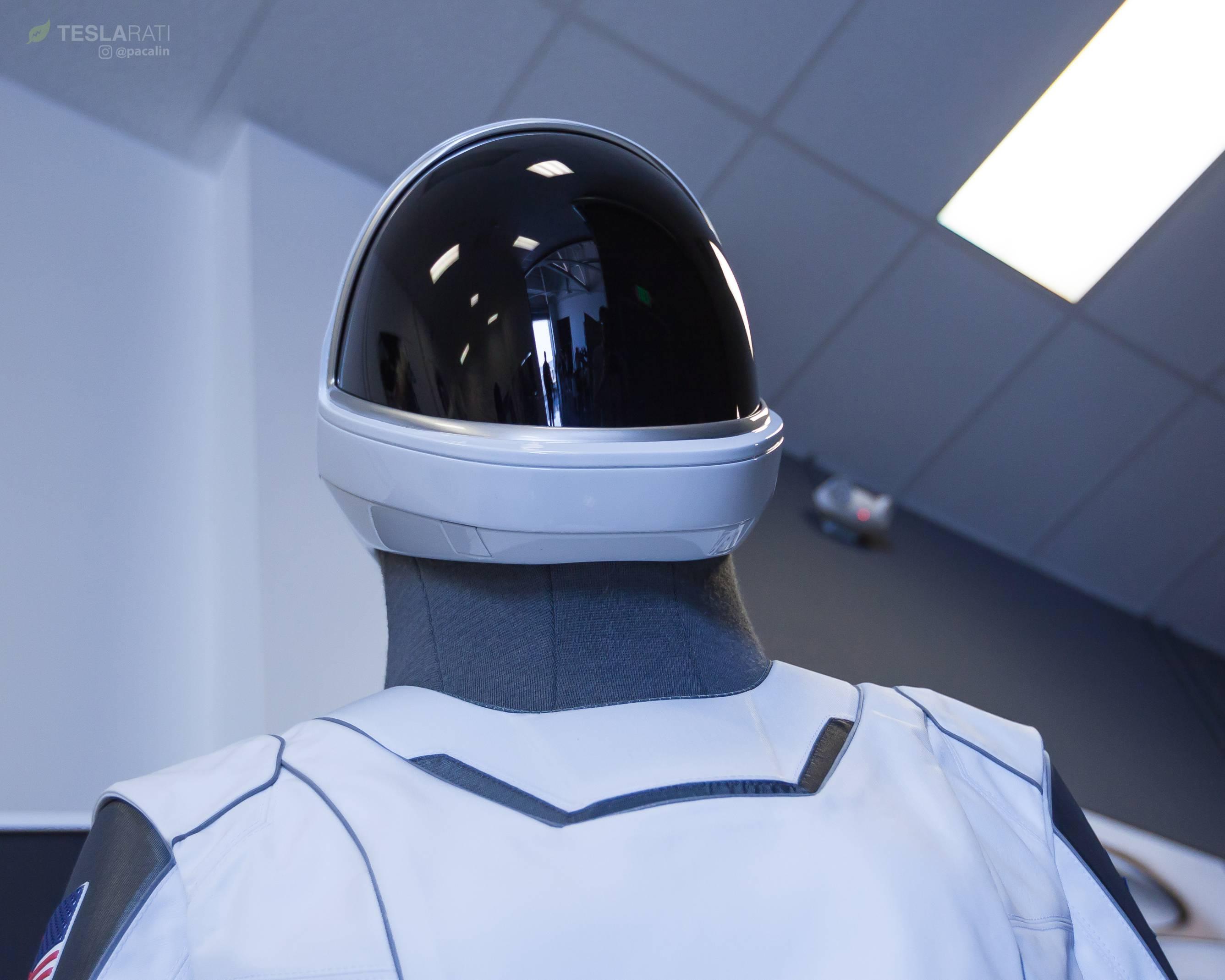 SpaceX spacesuit detail 081318 (Pauline Acalin) 7(c)