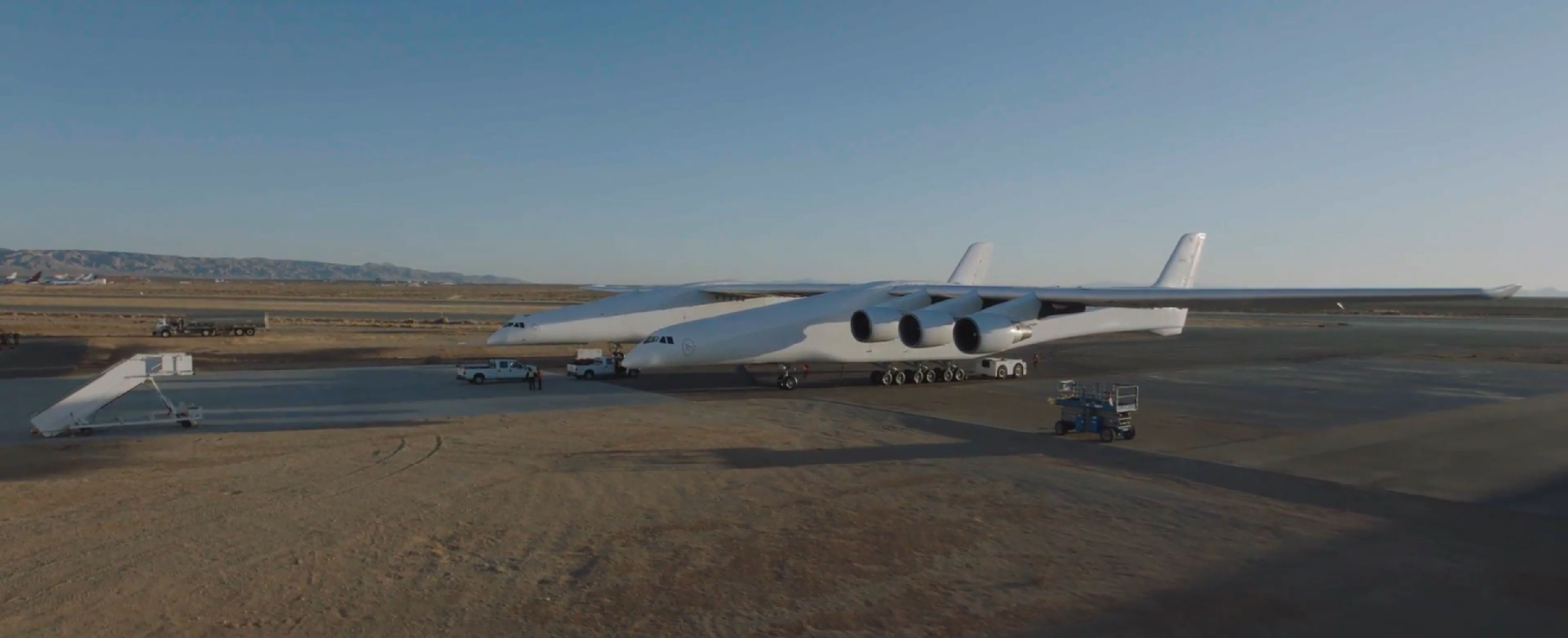 Stratolaunch Roc (Stratolaunch) 3