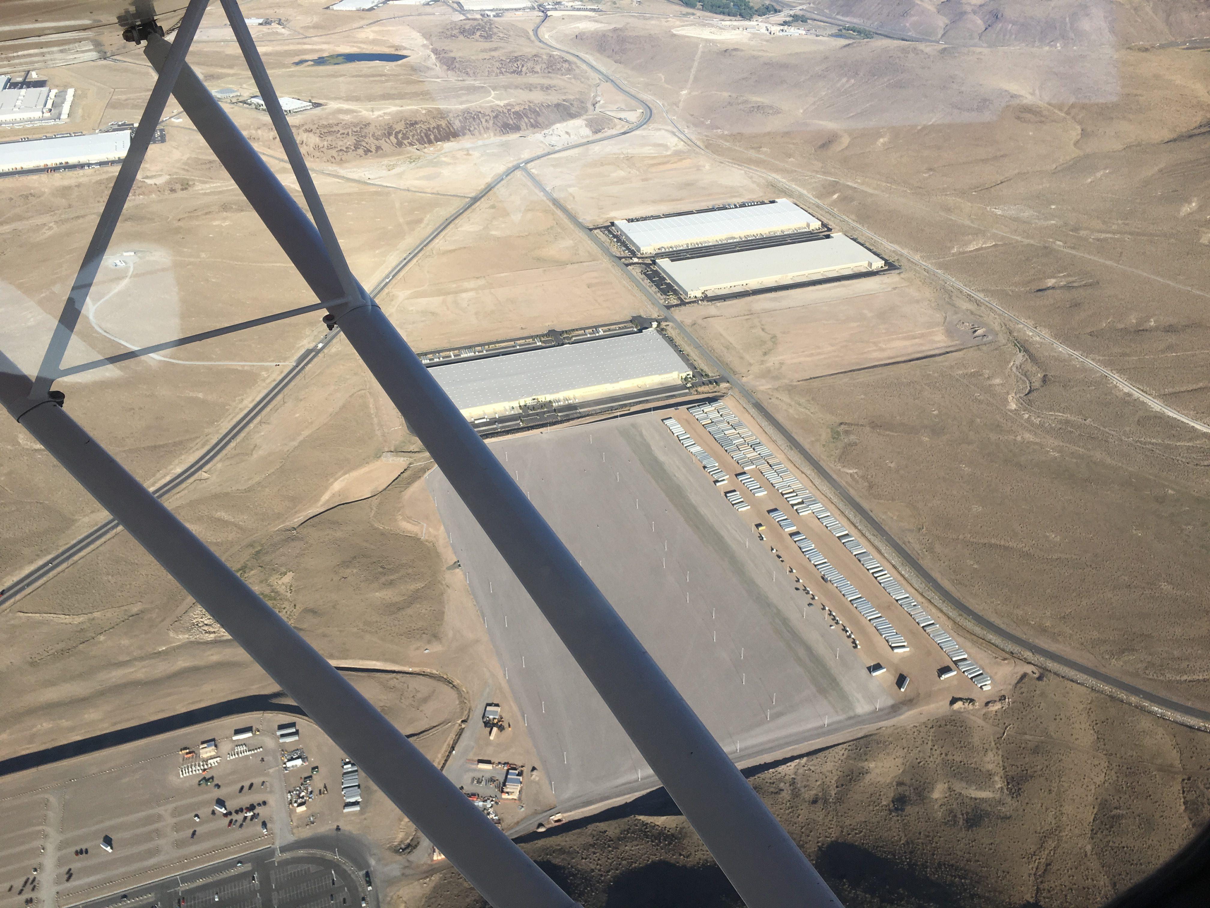tesla-gigafactory-solar-array-aug-29-1