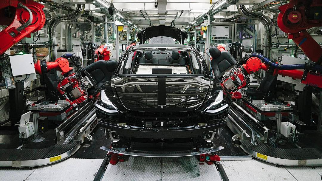 Tesla faces biggest challenge yet as oil industry fights to maintain its hold on US auto