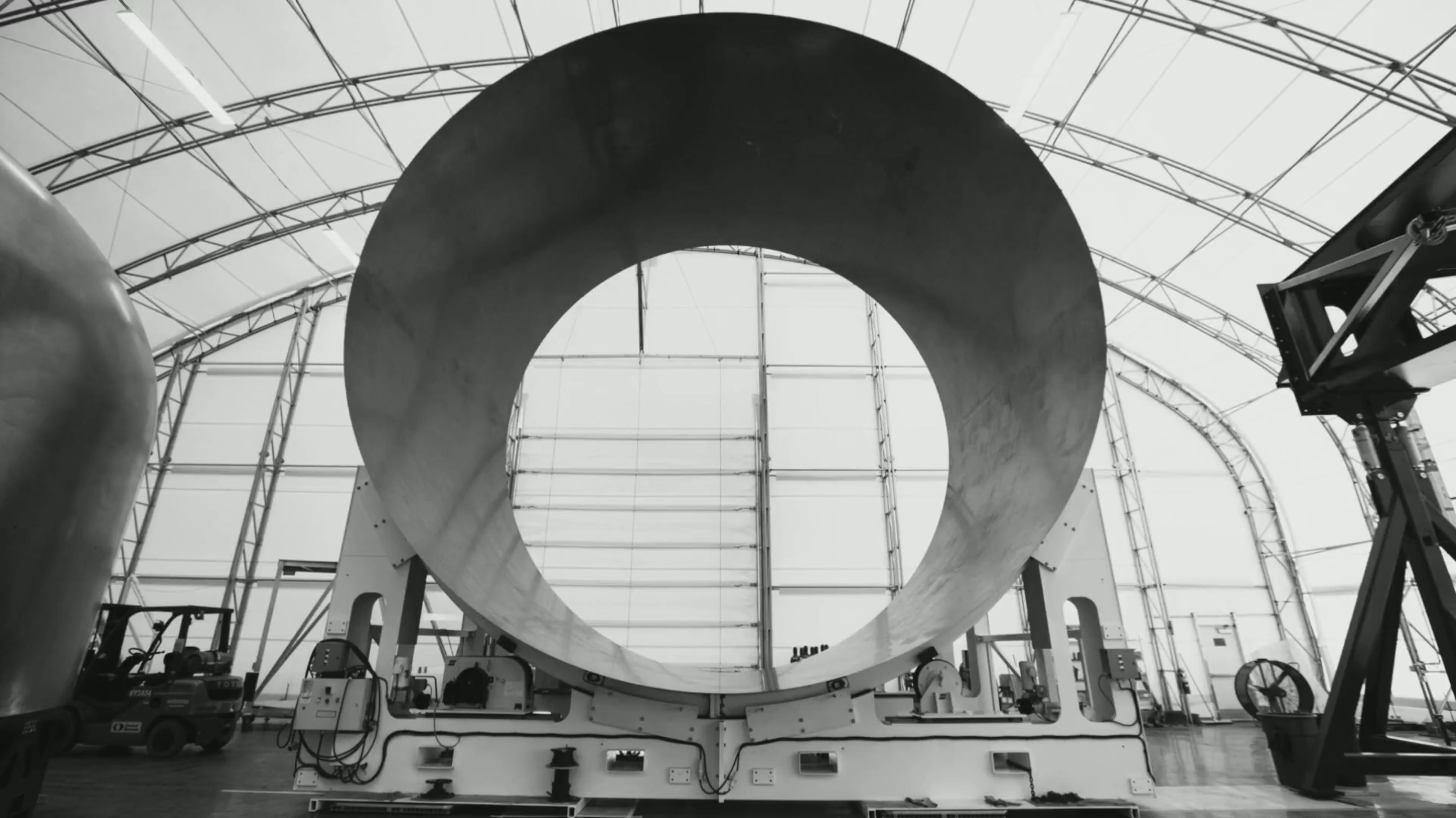 https://www.teslarati.com/wp-content/uploads/2018/09/BFR-tent-mandrel-completed-segment-SpaceX.jpg