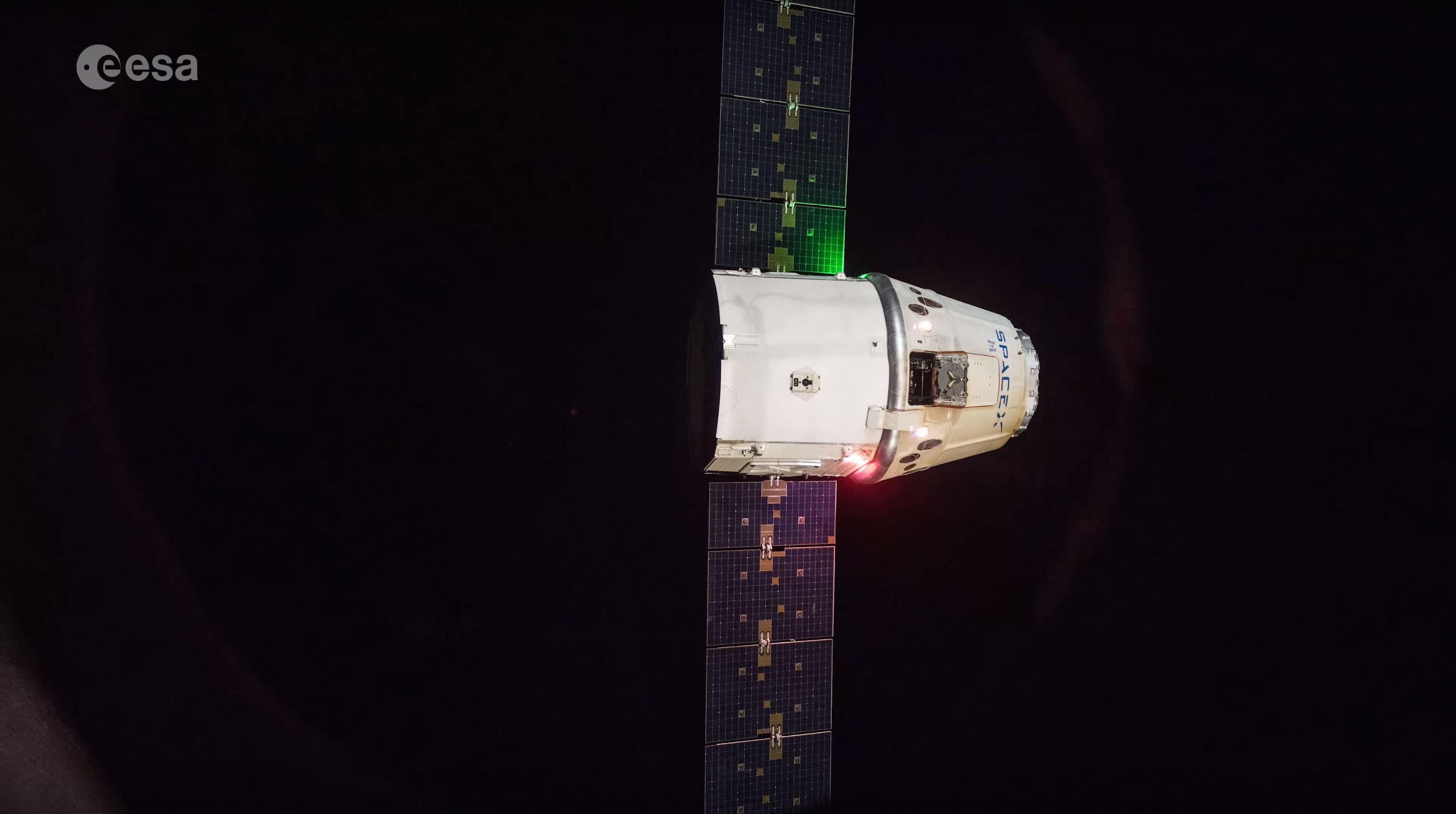 CRS-15 Cargo Dragon Draco burns (ESA) 2