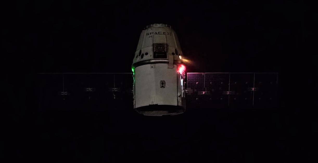 CRS-15 Cargo Dragon Draco burns (ESA) 5