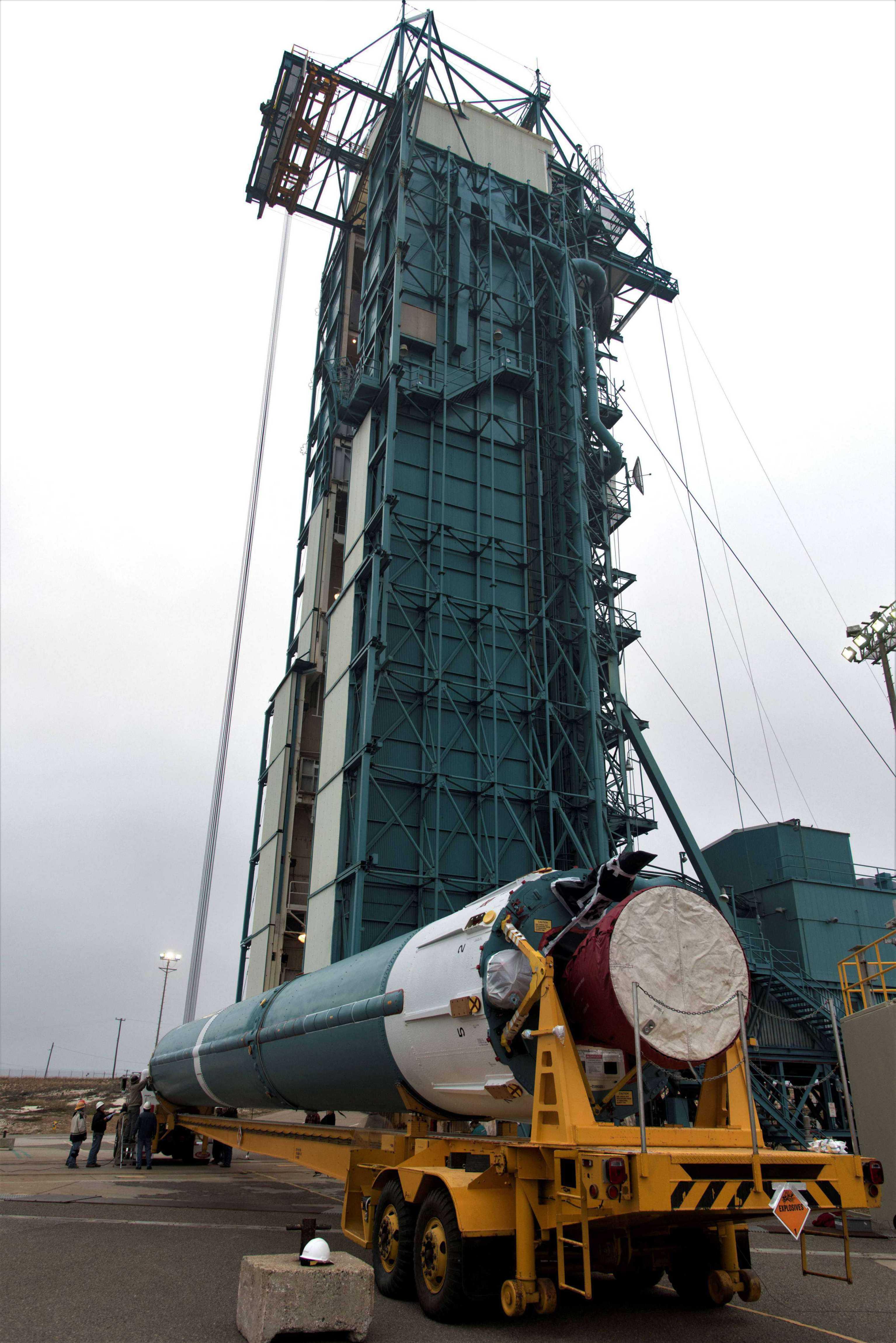 Delta II ICESat-2 prep (NASA) 3