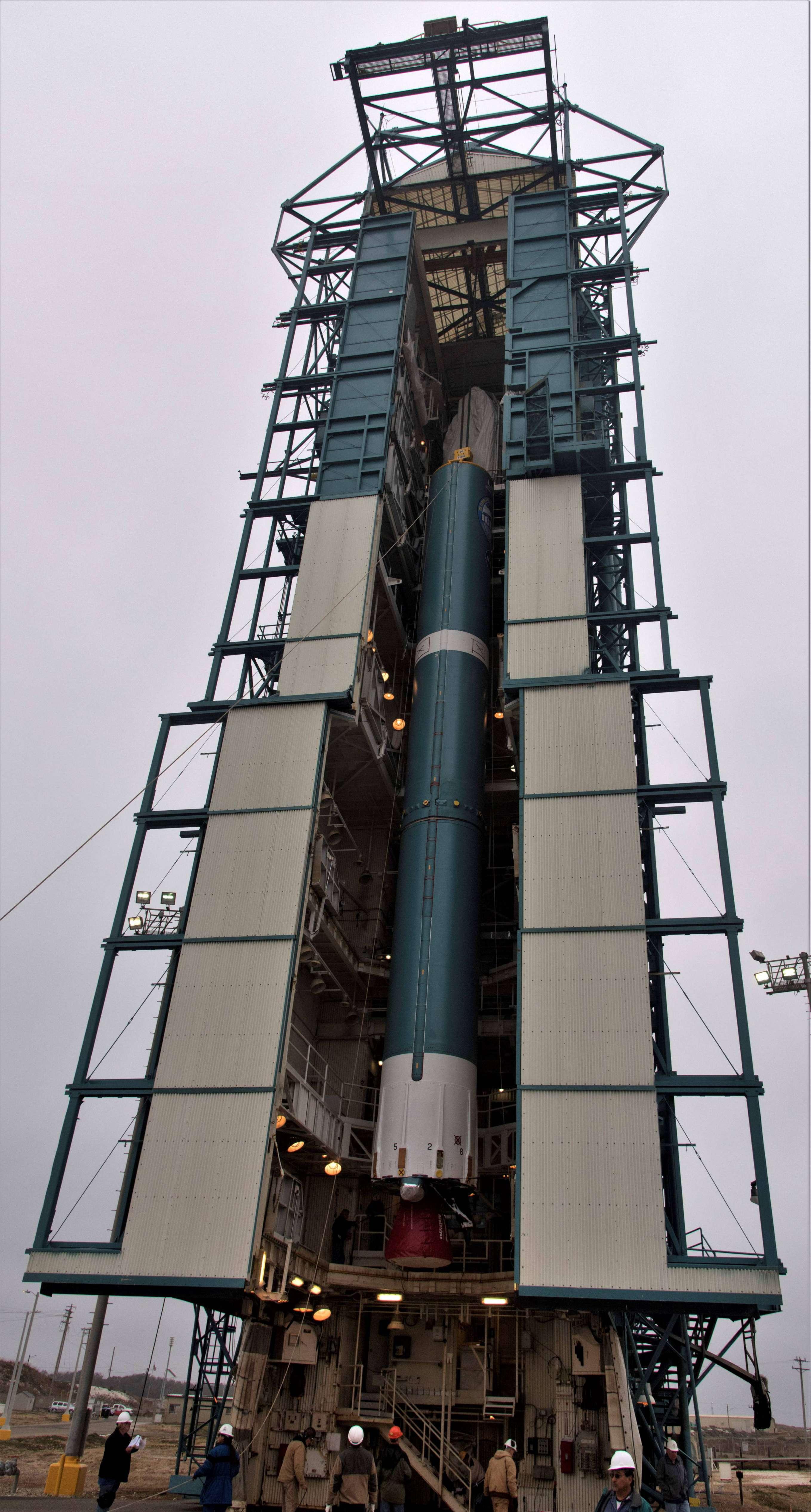 Delta II ICESat-2 prep (NASA) 4