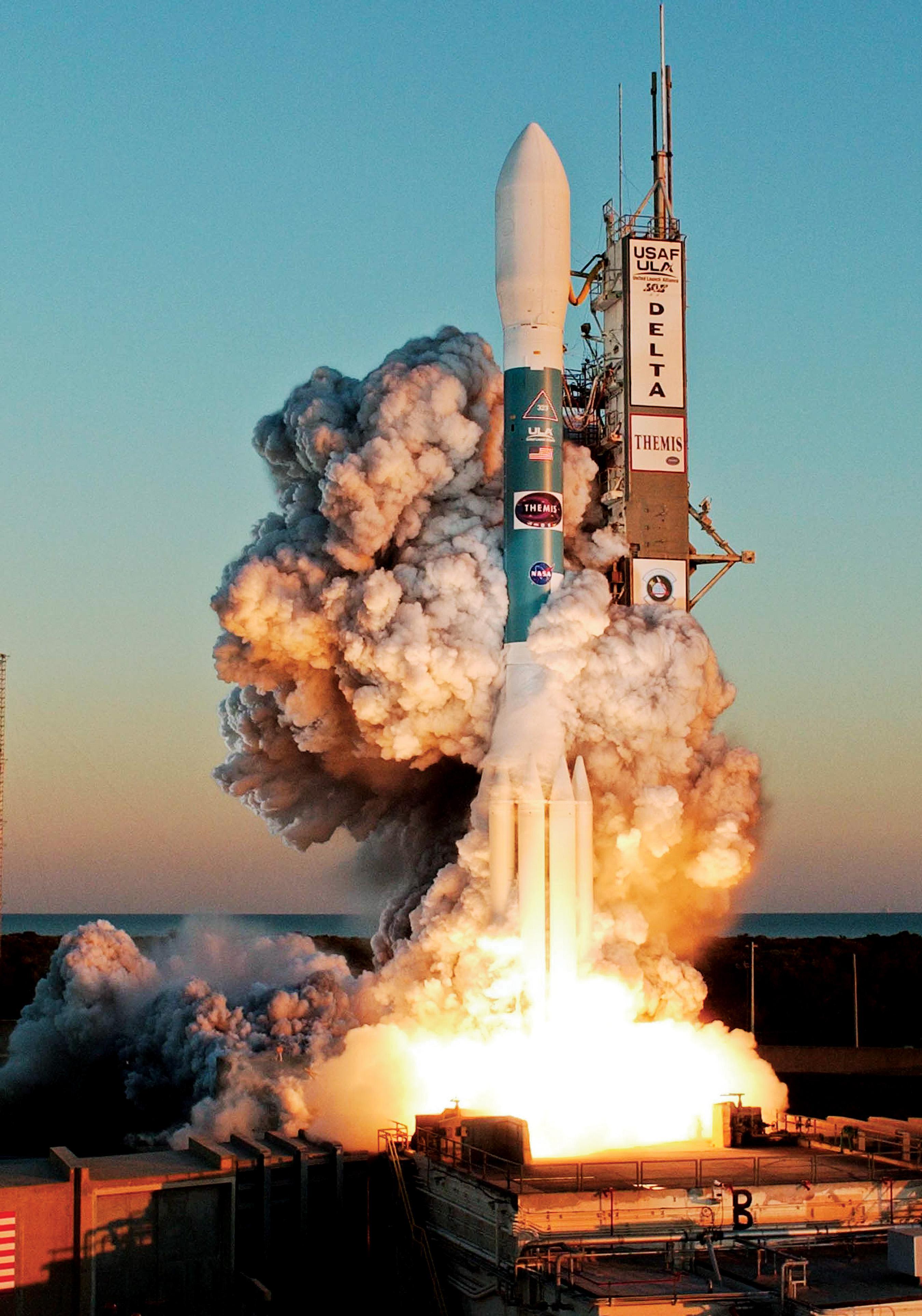 Delta II NASA THEMIS launch 2007 (NASA)
