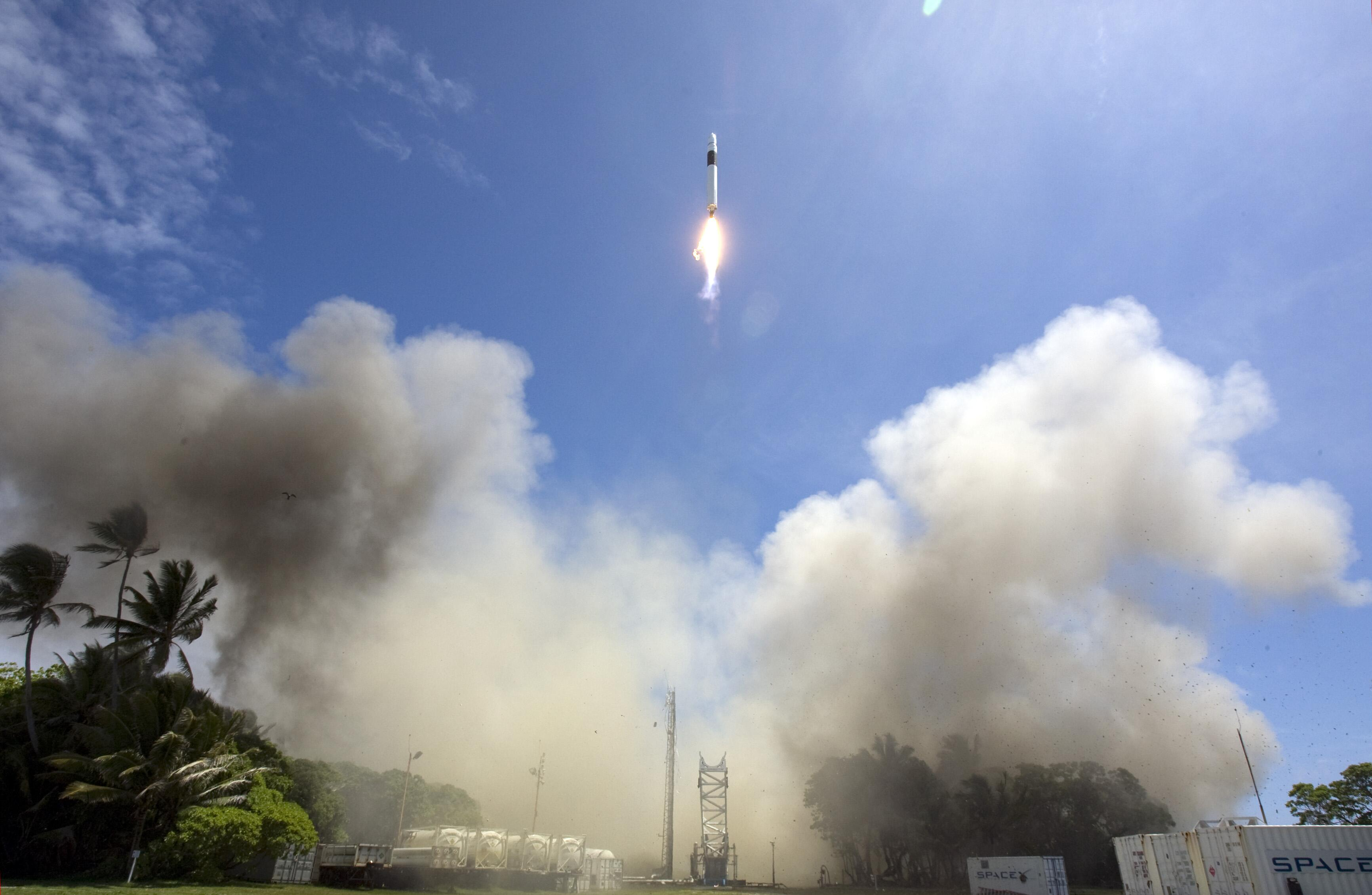 Falcon 1 Flight 4 launch (SpaceX) 2
