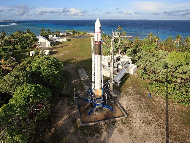 Falcon 1 Flight 4 prep (SpaceX) 6