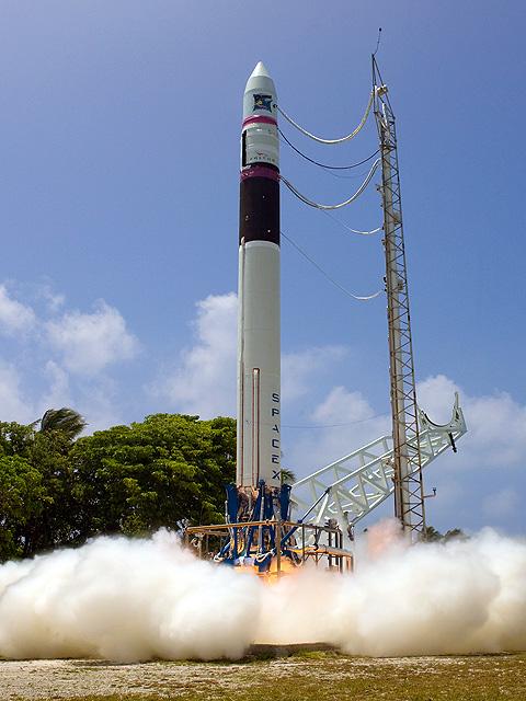 Falcon 1 Flight 4 prep (SpaceX) 7