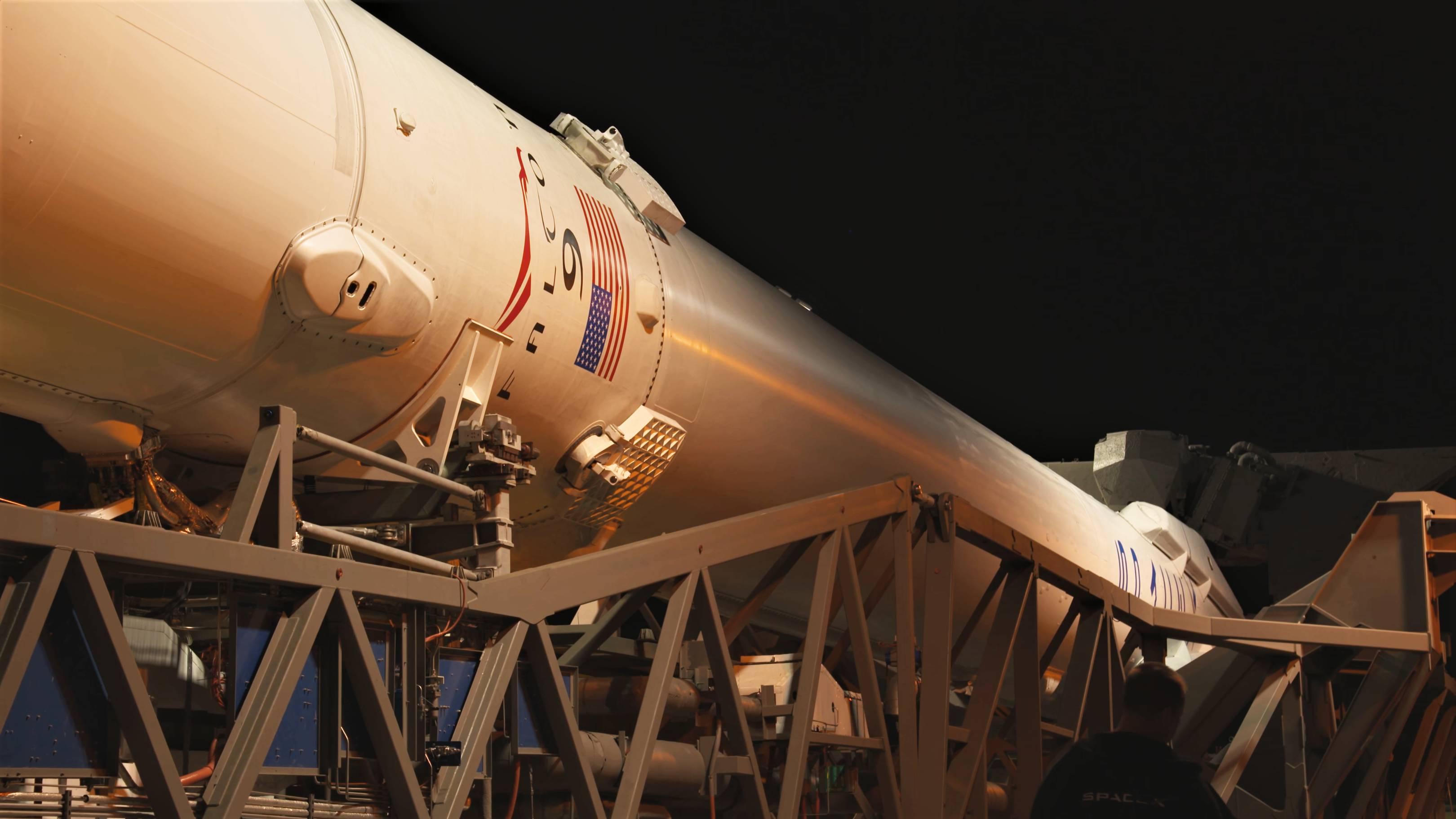 Falcon 9 B1045 TESS rollout (NASA) 11(c)