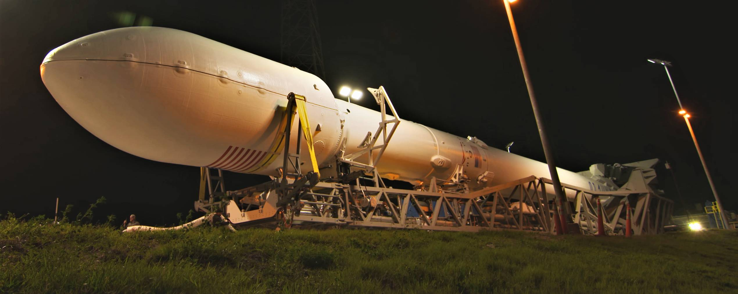 Falcon 9 B1045 TESS rollout (NASA) 13 edit(c)