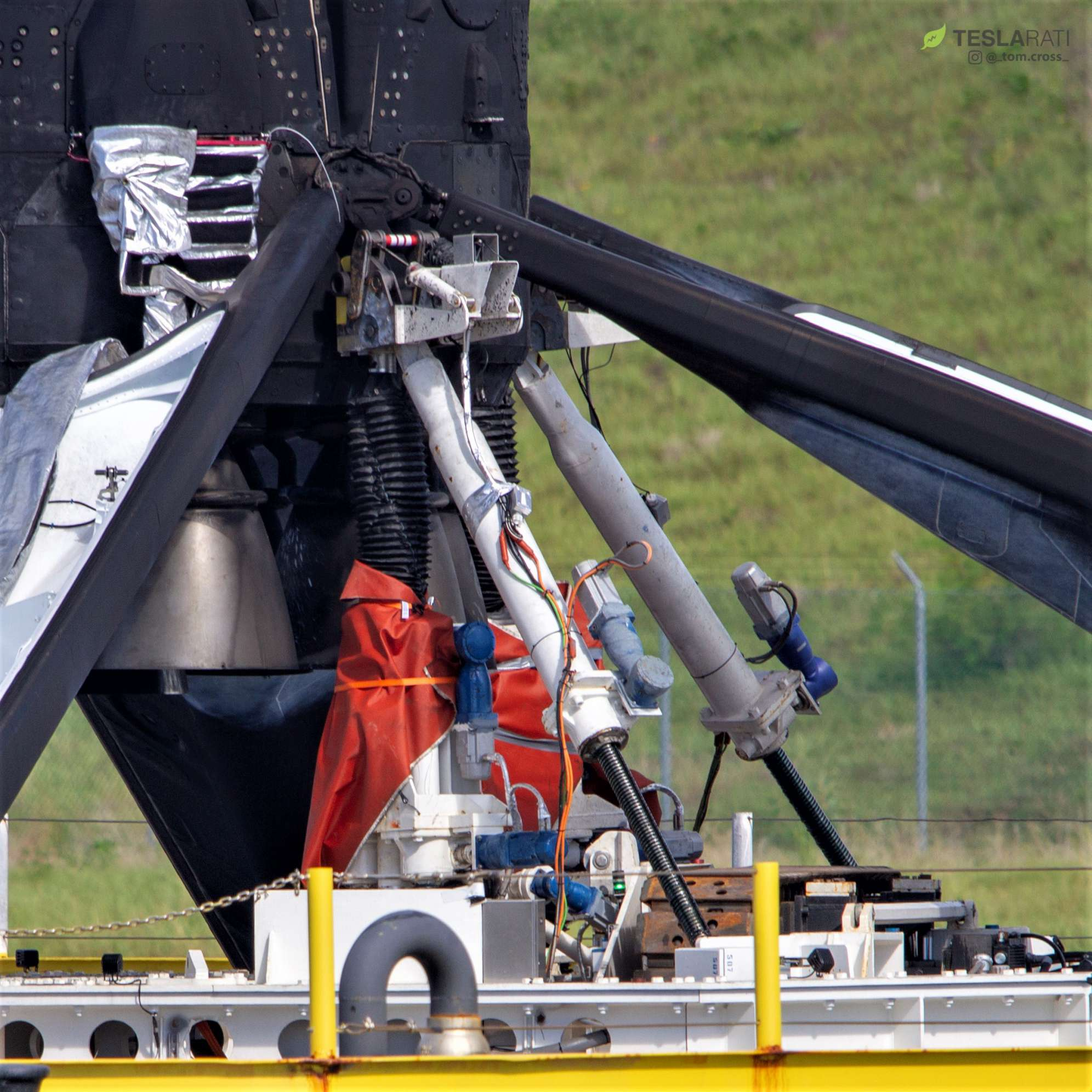 Falcon 9 B1049 OCISLY return detail 091218 (Tom Cross) 14(c)