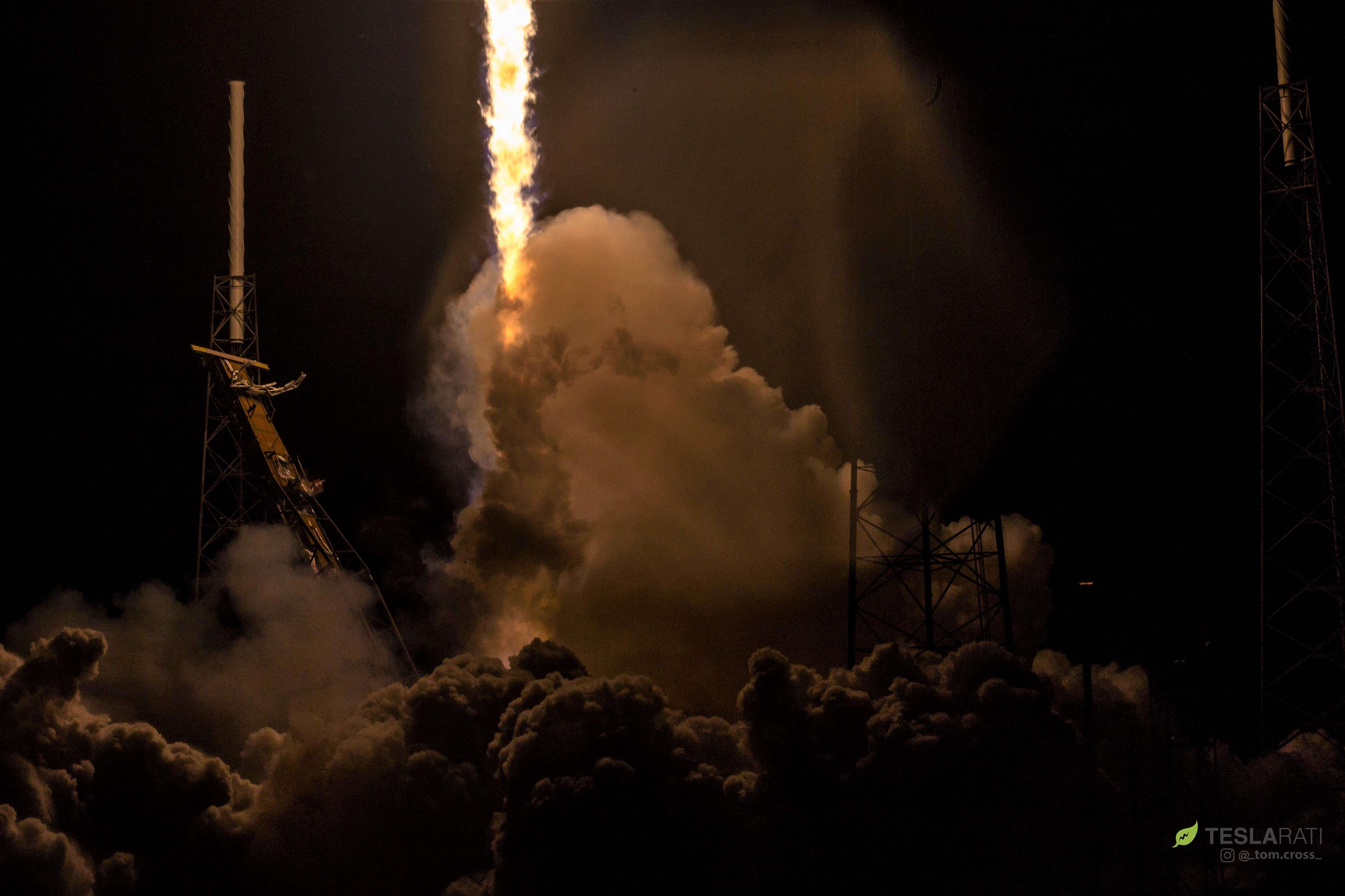 Falcon 9 B1049 Telstar 18V launch (Tom Cross) 2