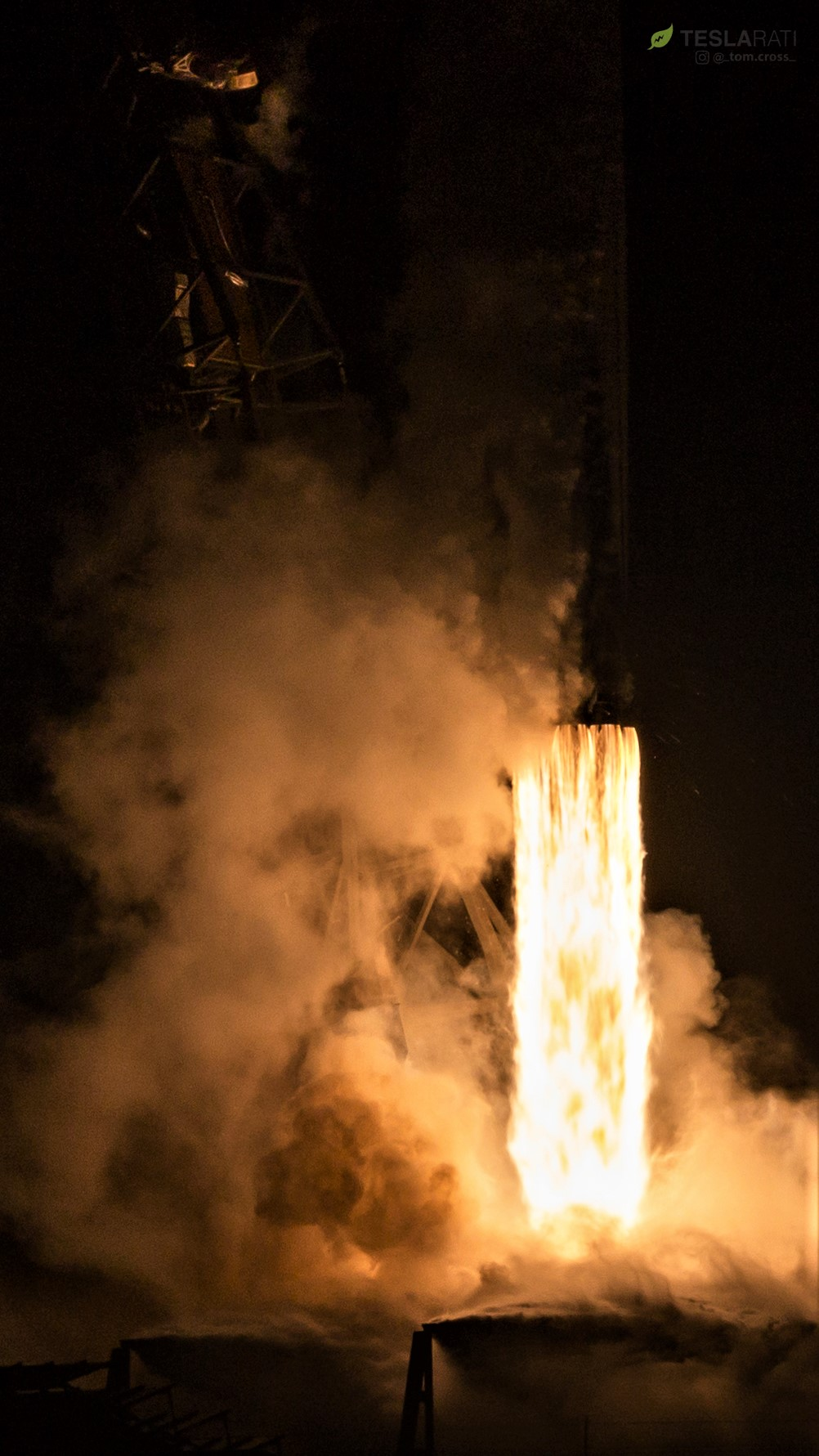 Falcon 9 B1049 Telstar 18V launch (Tom Cross) 5