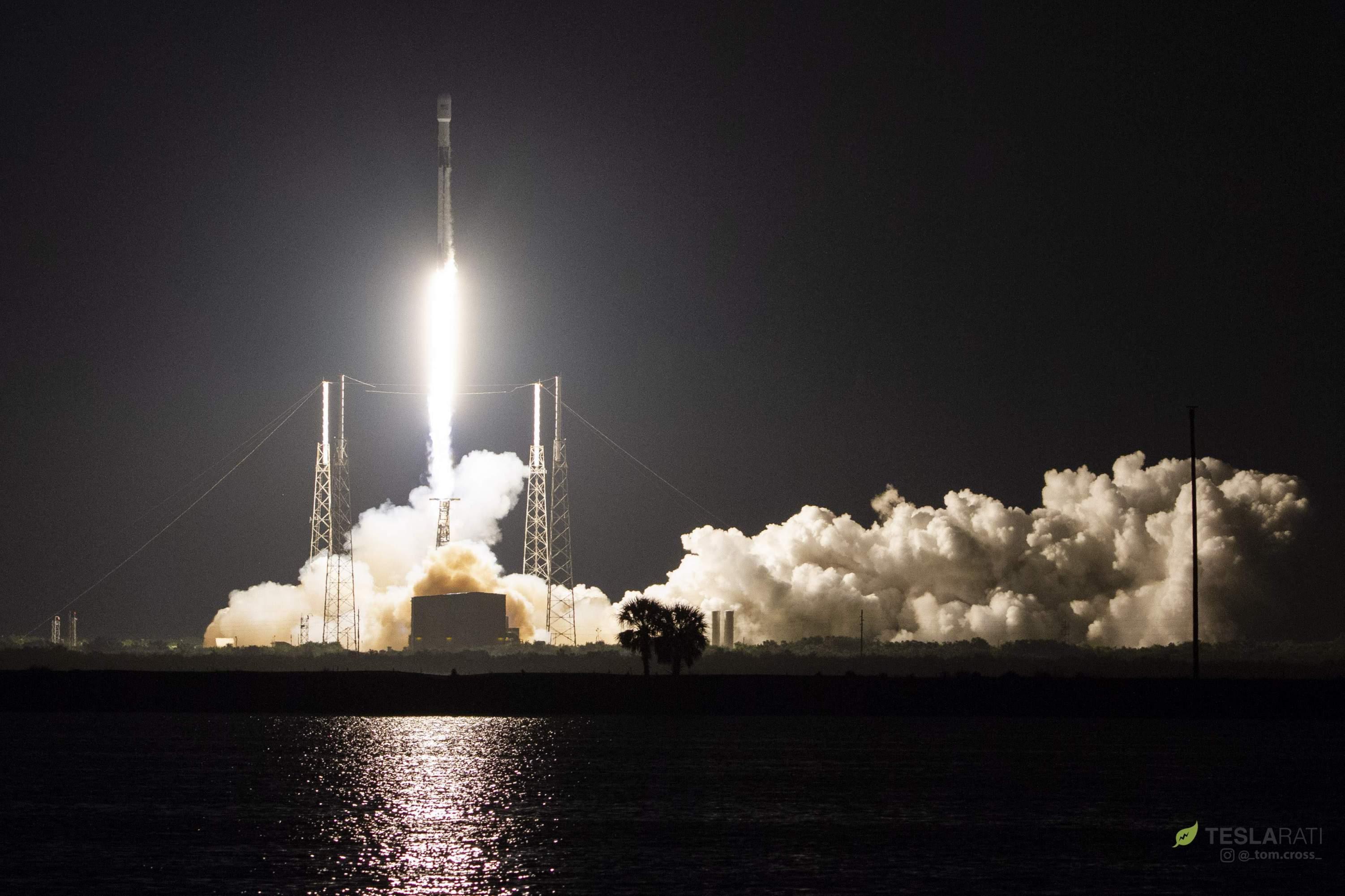 Falcon 9 B1049 Telstar 18V launch (Tom Cross)