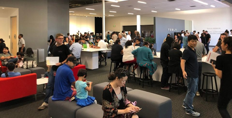 tesla-delivery-center-volunteer-weekend