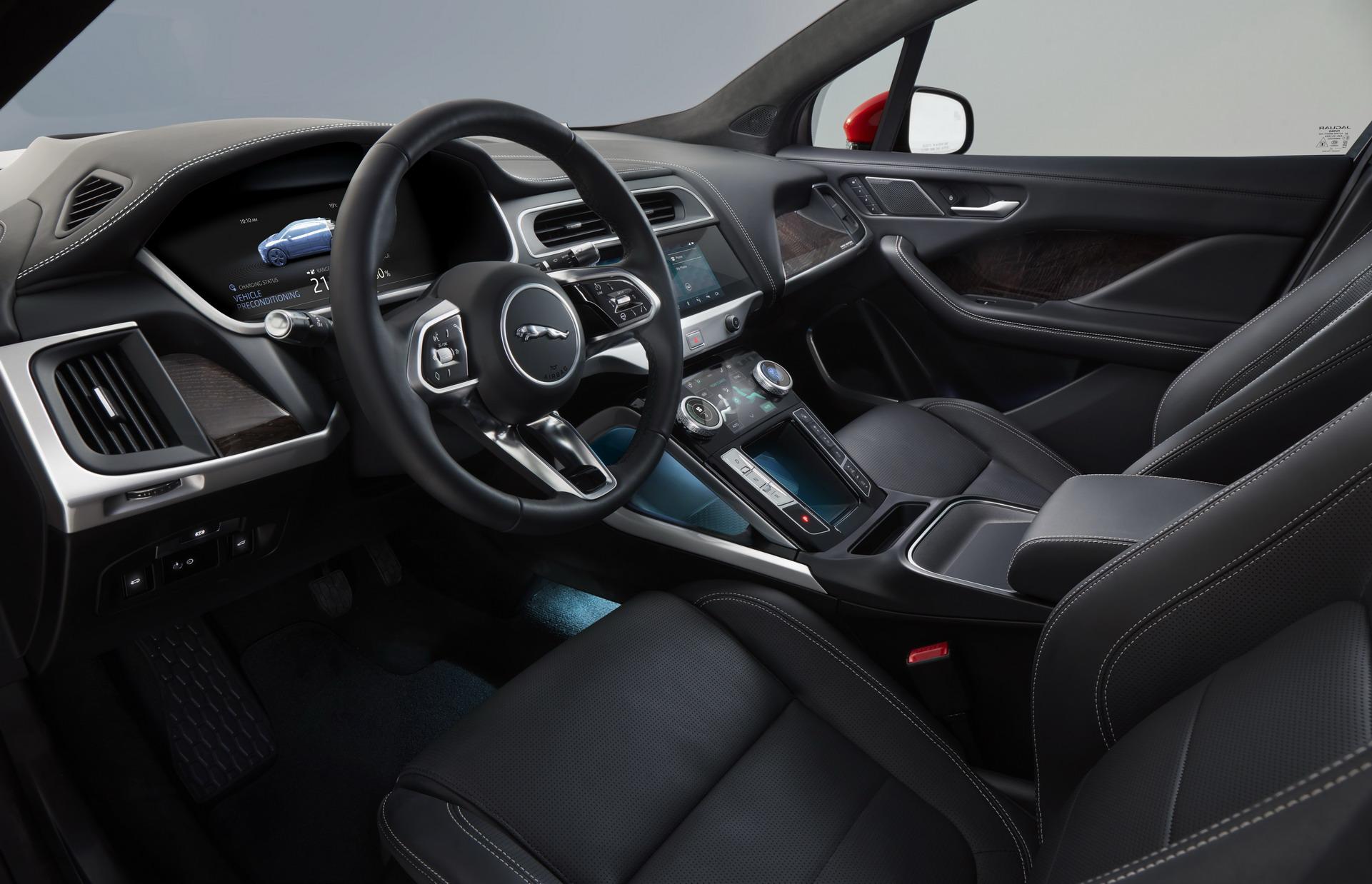 2019-Jaguar-I-Pace-05