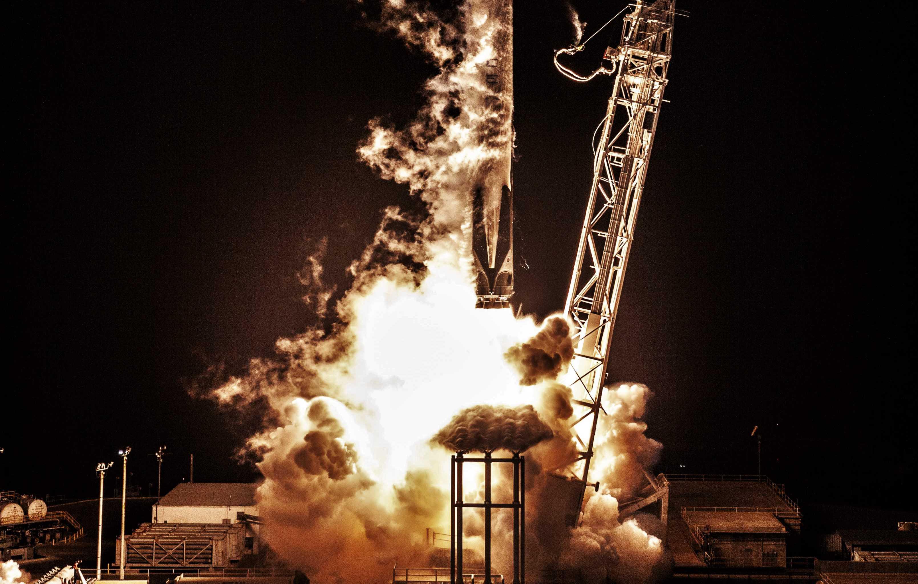 B1048.2 launch SAOCOM 1A (SpaceX) crop(c)