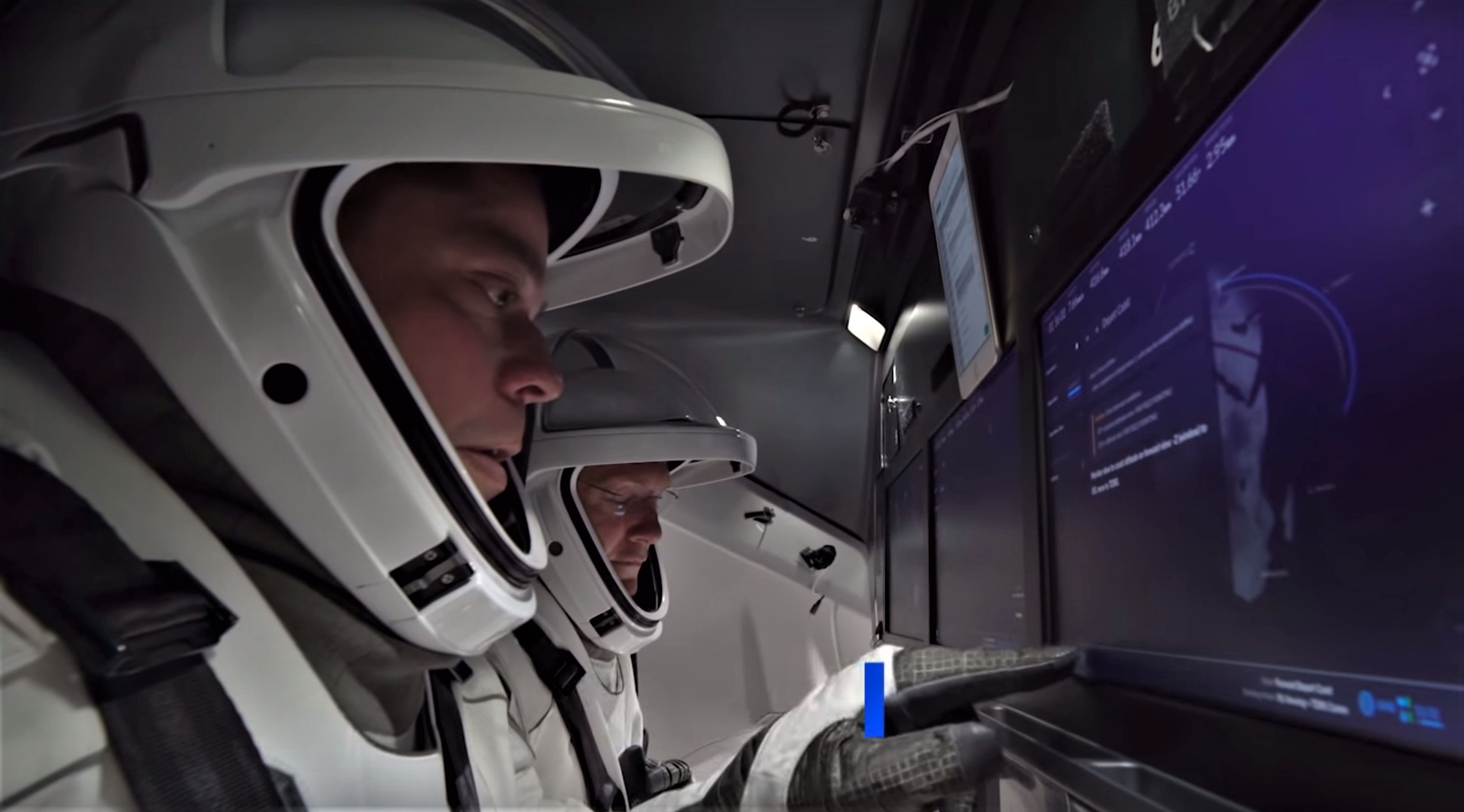 Crew Dragon Suit Amp Display Tests Nasa Spacex 7 Teslarati