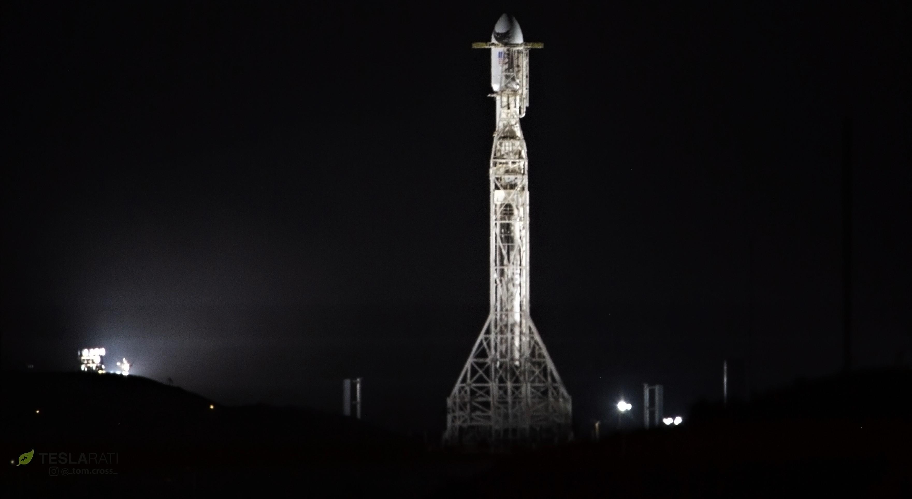 Falcon 9 B1048 SAOCOM-1A vertical (Tom Cross) 1(c)