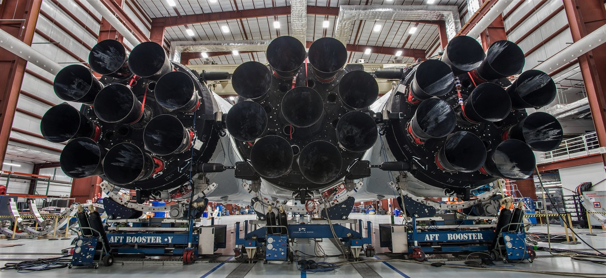 Falcon Heavy at LC39A 3 (SpaceX) crop
