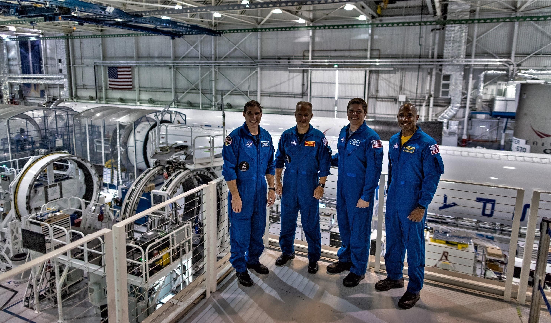 spacex hawthorne facility - HD2974×1744