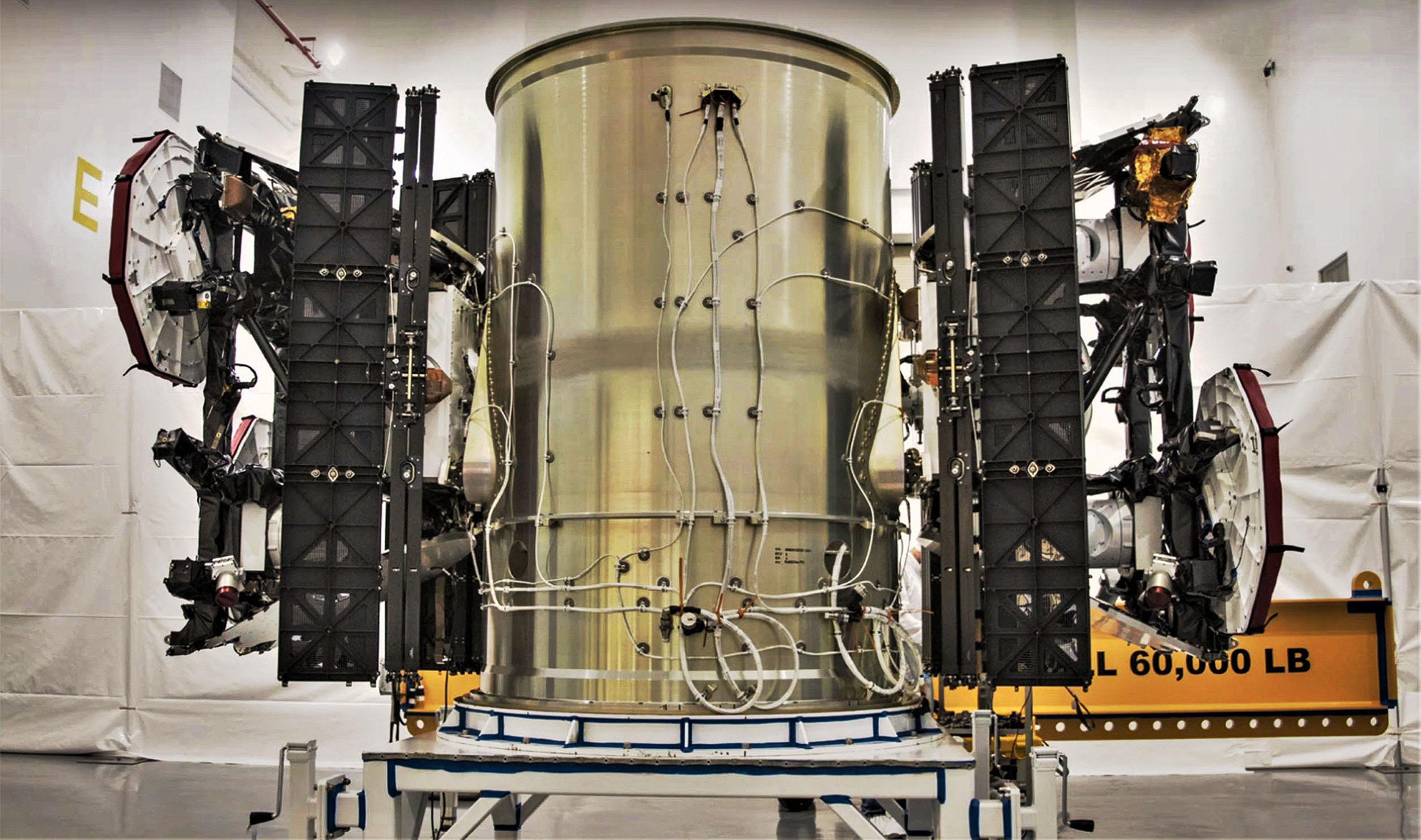 Starlink-test-satellites-SpaceX.jpg