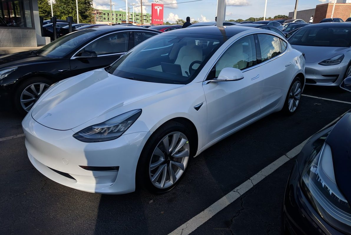 cdaaf3773a693d Tesla boosts Long Range Model 3 RWD to 325 miles per charge