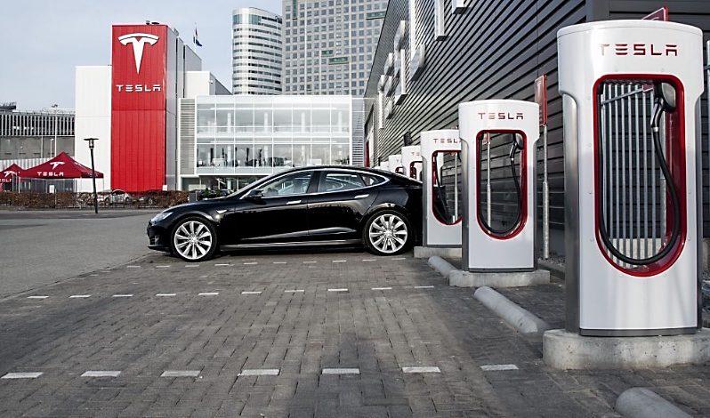 tesla-supercharger-amsterdam