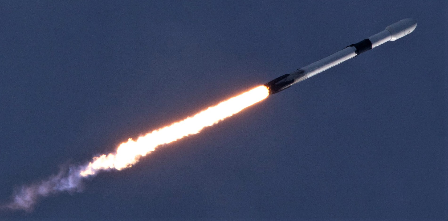 B1047.2 Es'hail 2 launch (Tom Cross) 1