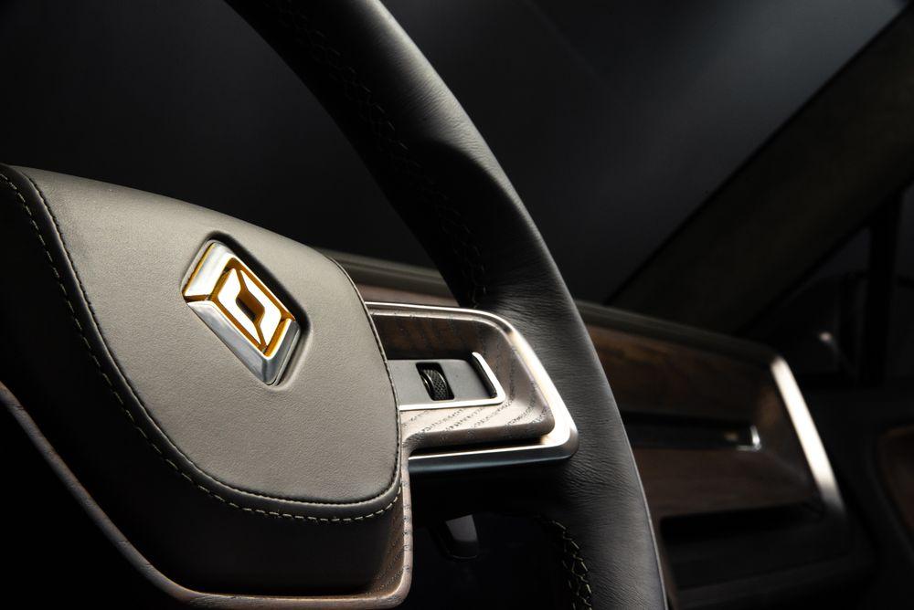 E._Rivian_R1T_Steering_Wheel_Detail