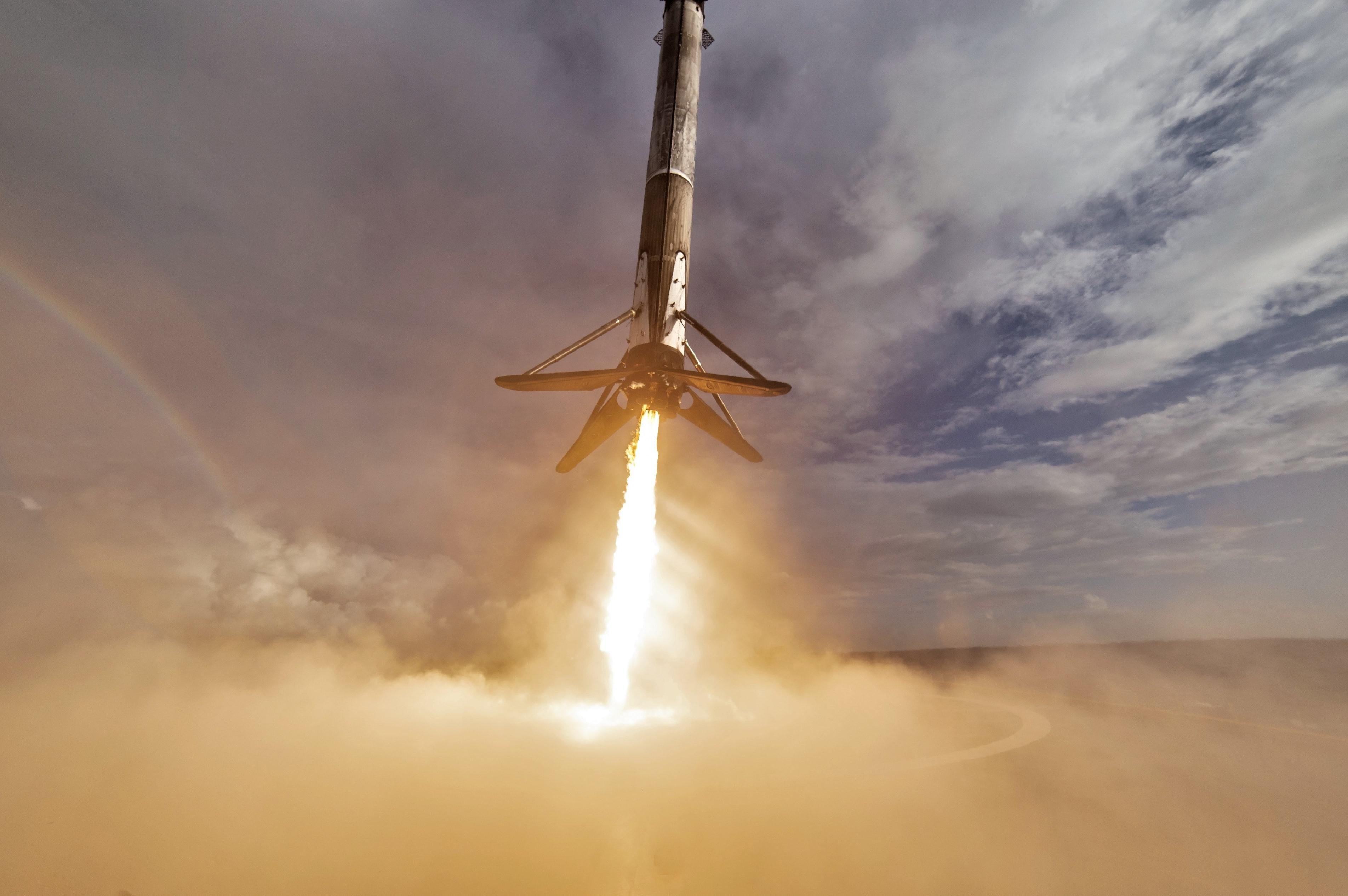 Follow a SpaceX Falcon 9 Block 5 booster recovery from start to finish [video]