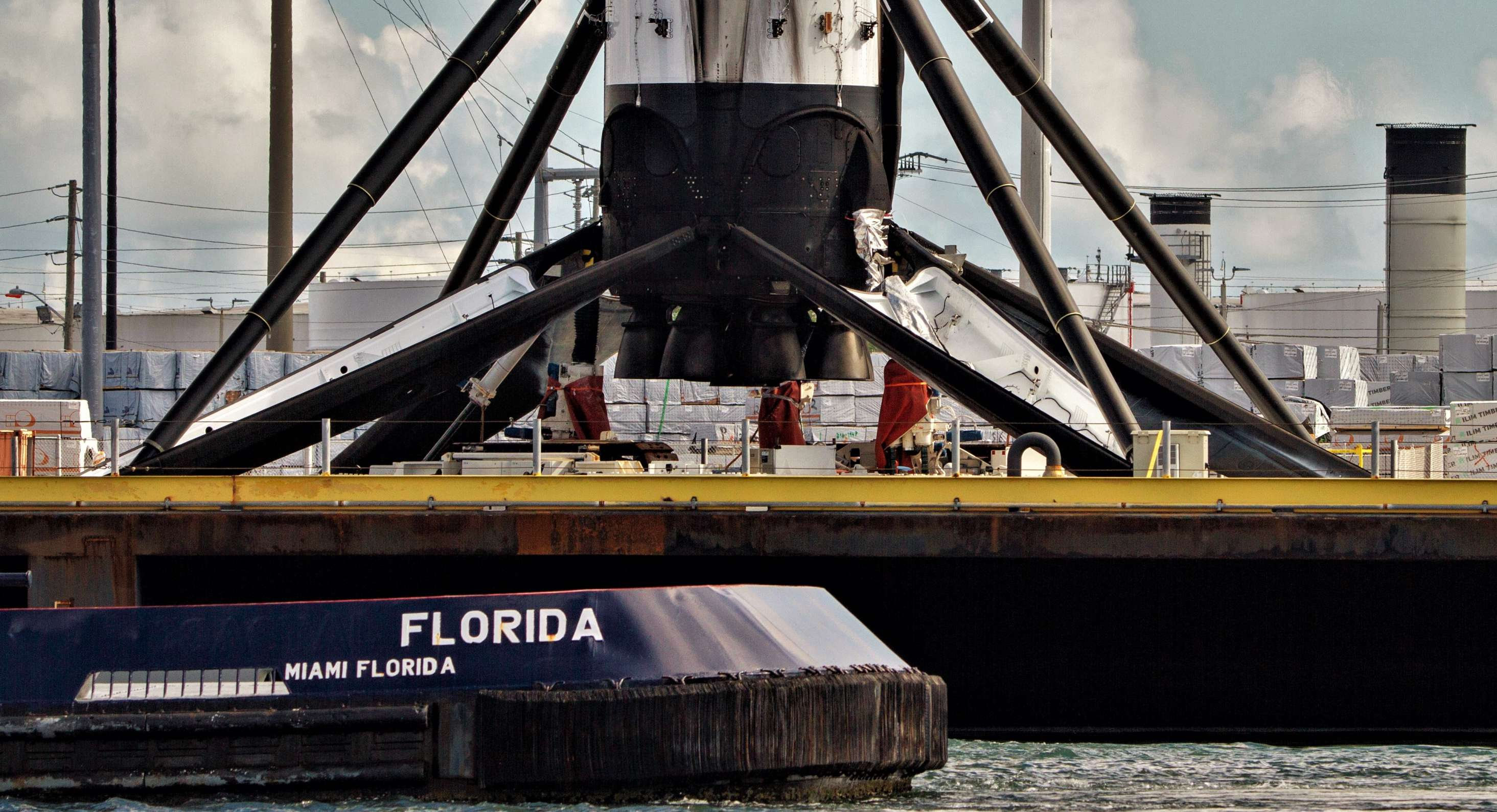 Falcon 9 B1049 OCISLY return 091218 (Tom Cross) 7