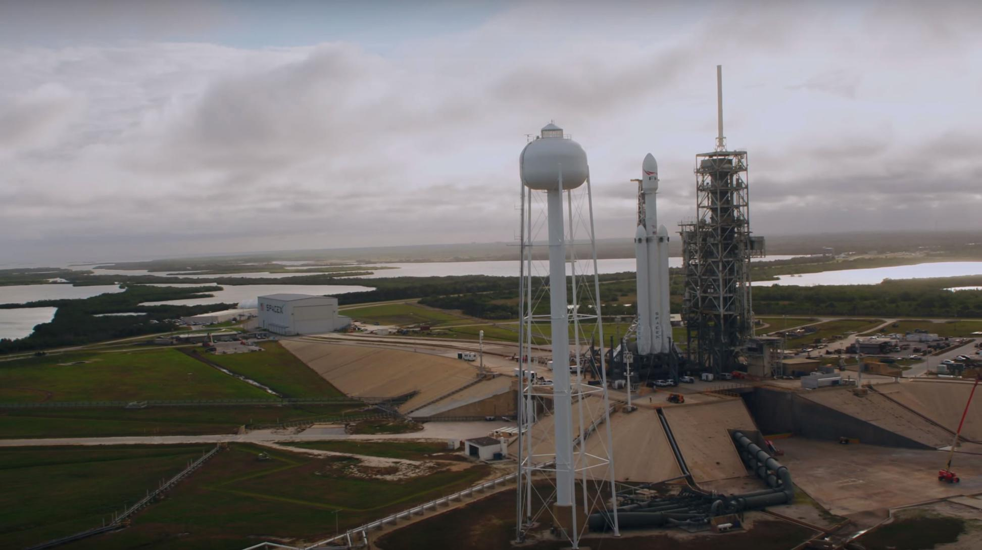Falcon Heavy (SpaceX) 7(c)