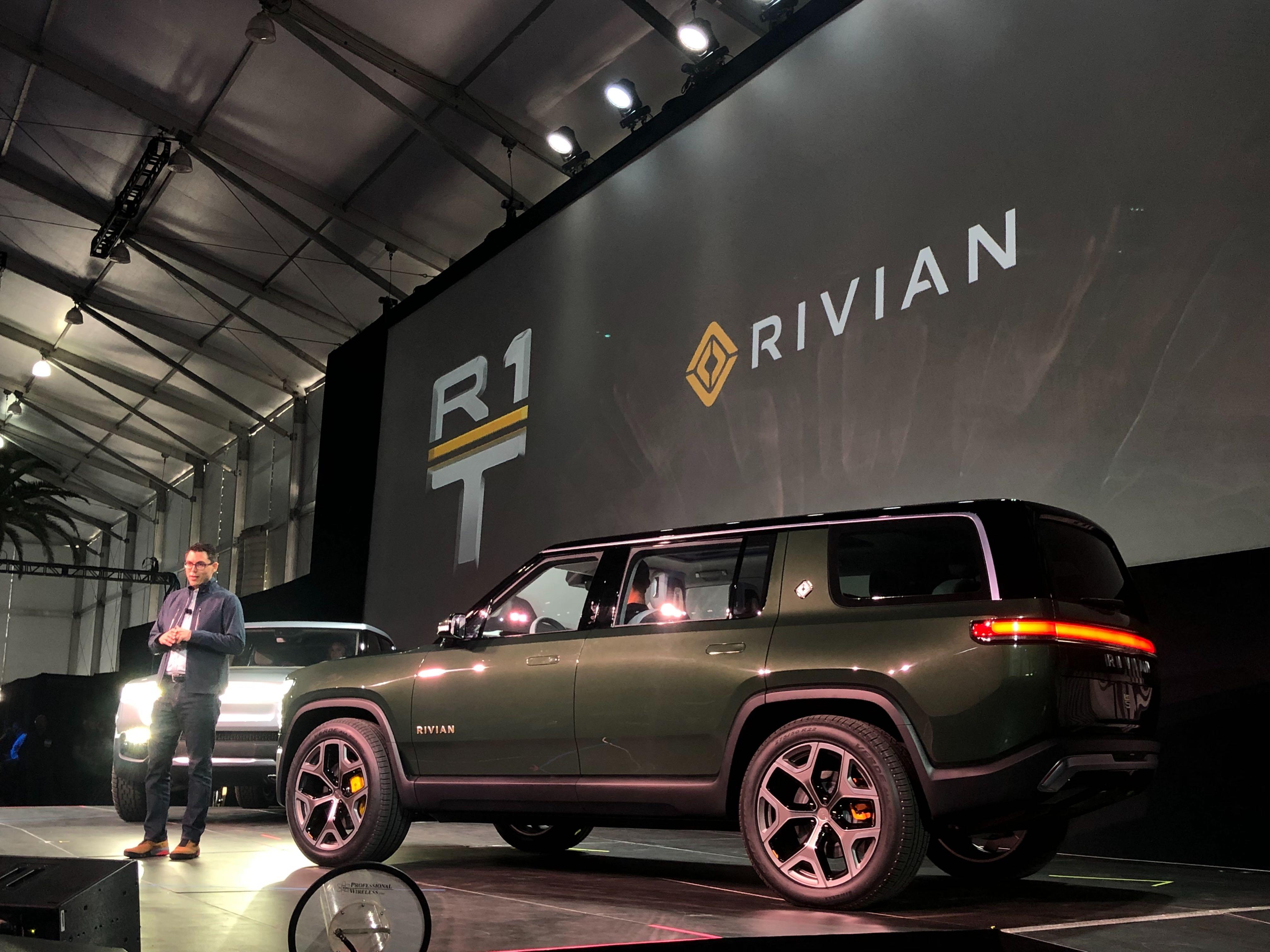 rivian-r1s
