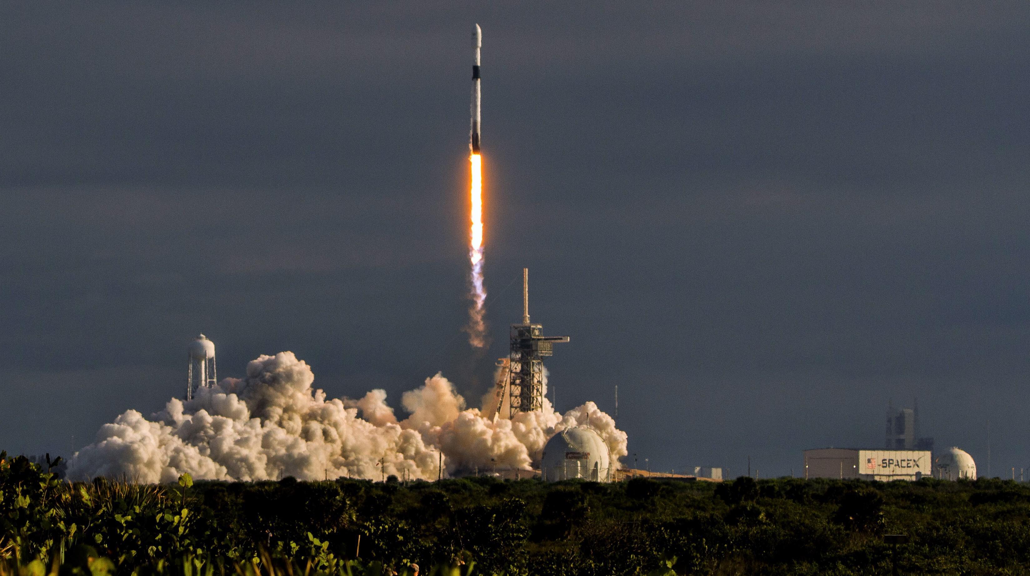 B1047 Es'hail 2 launch (Tom Cross) 3